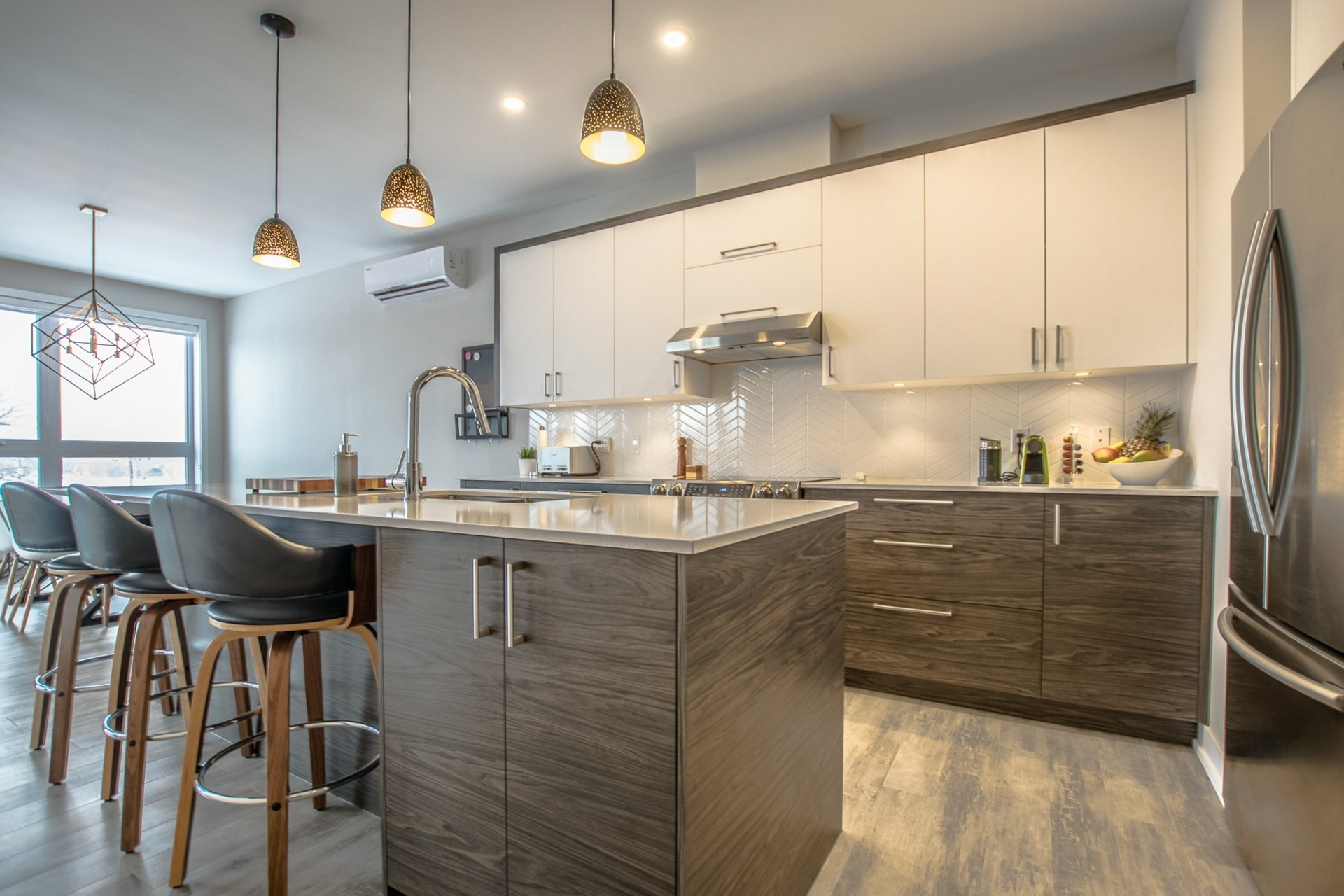 image 1 - Apartment For sale Sainte-Catherine - 6 rooms