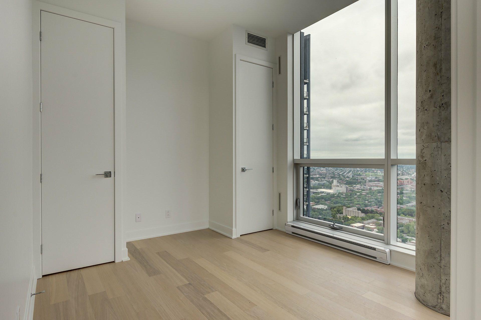 image 15 - Appartement À vendre Ville-Marie Montréal  - 4 pièces