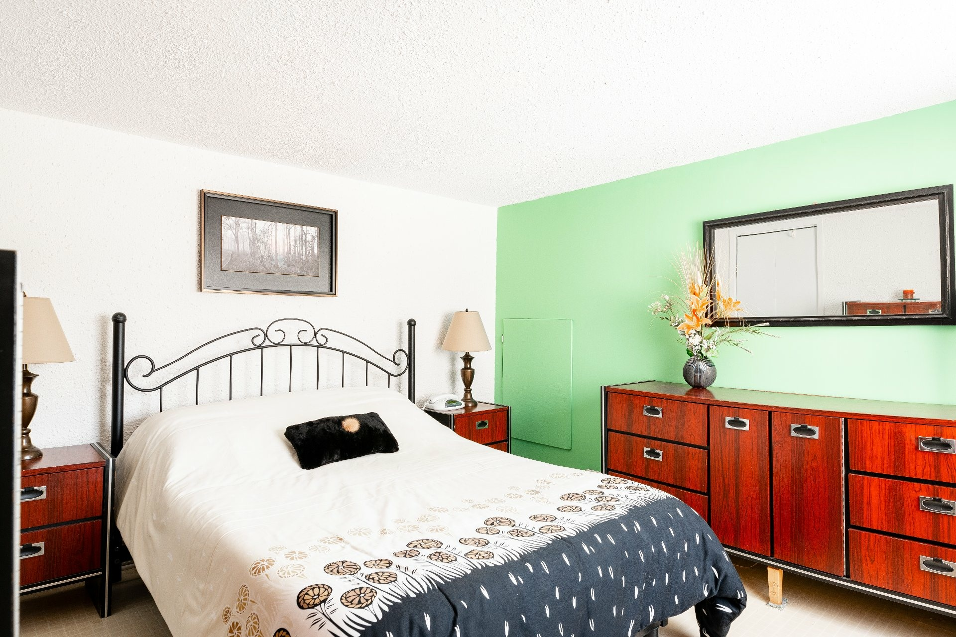 image 18 - House For sale Dorval - 11 rooms