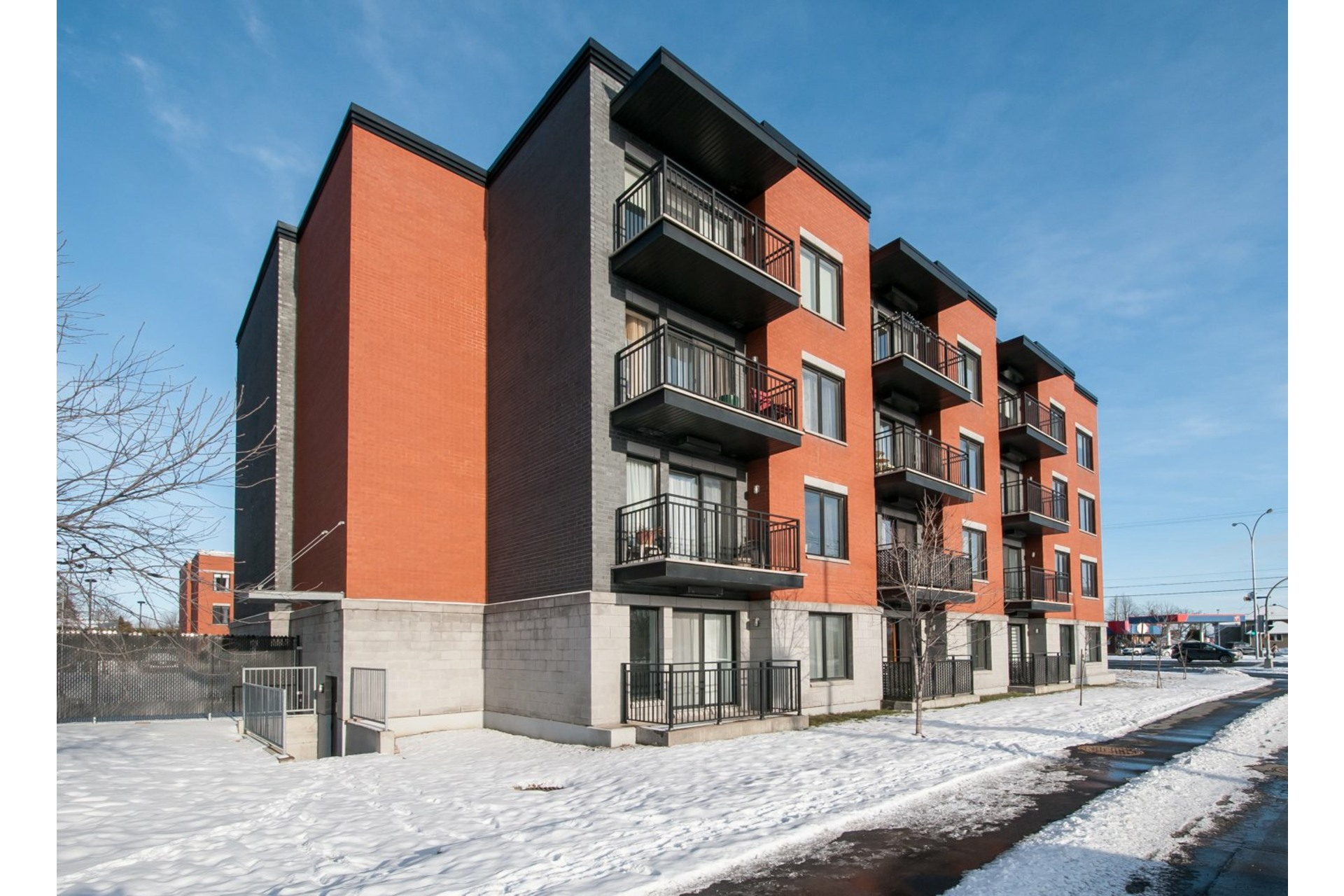 image 0 - Apartment For sale Le Vieux-Longueuil Longueuil  - 5 rooms