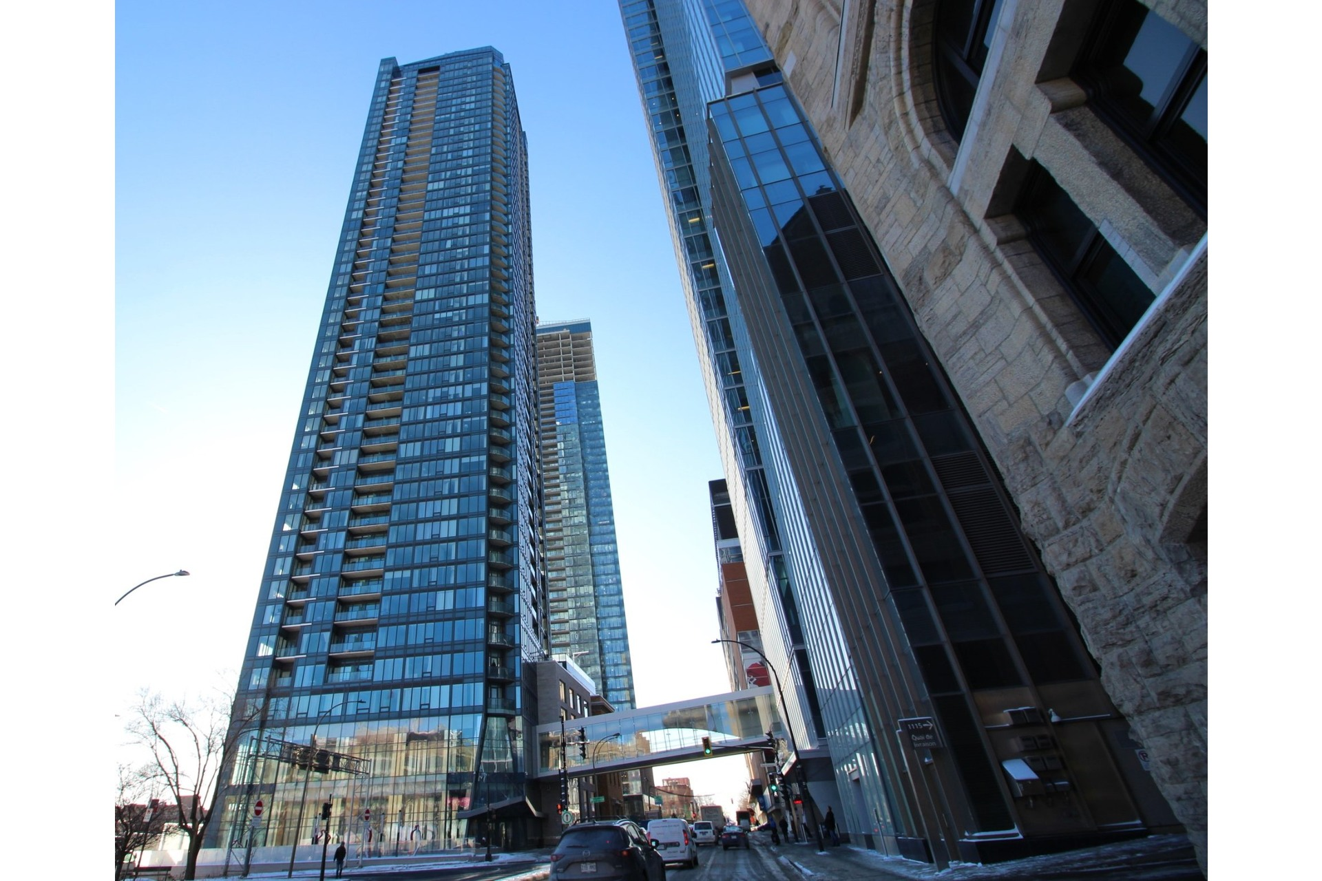 image 0 - Apartment For rent Ville-Marie Montréal  - 7 rooms