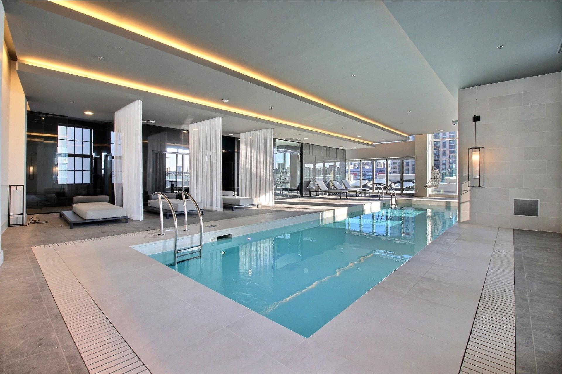 image 13 - Apartment For rent Ville-Marie Montréal  - 7 rooms
