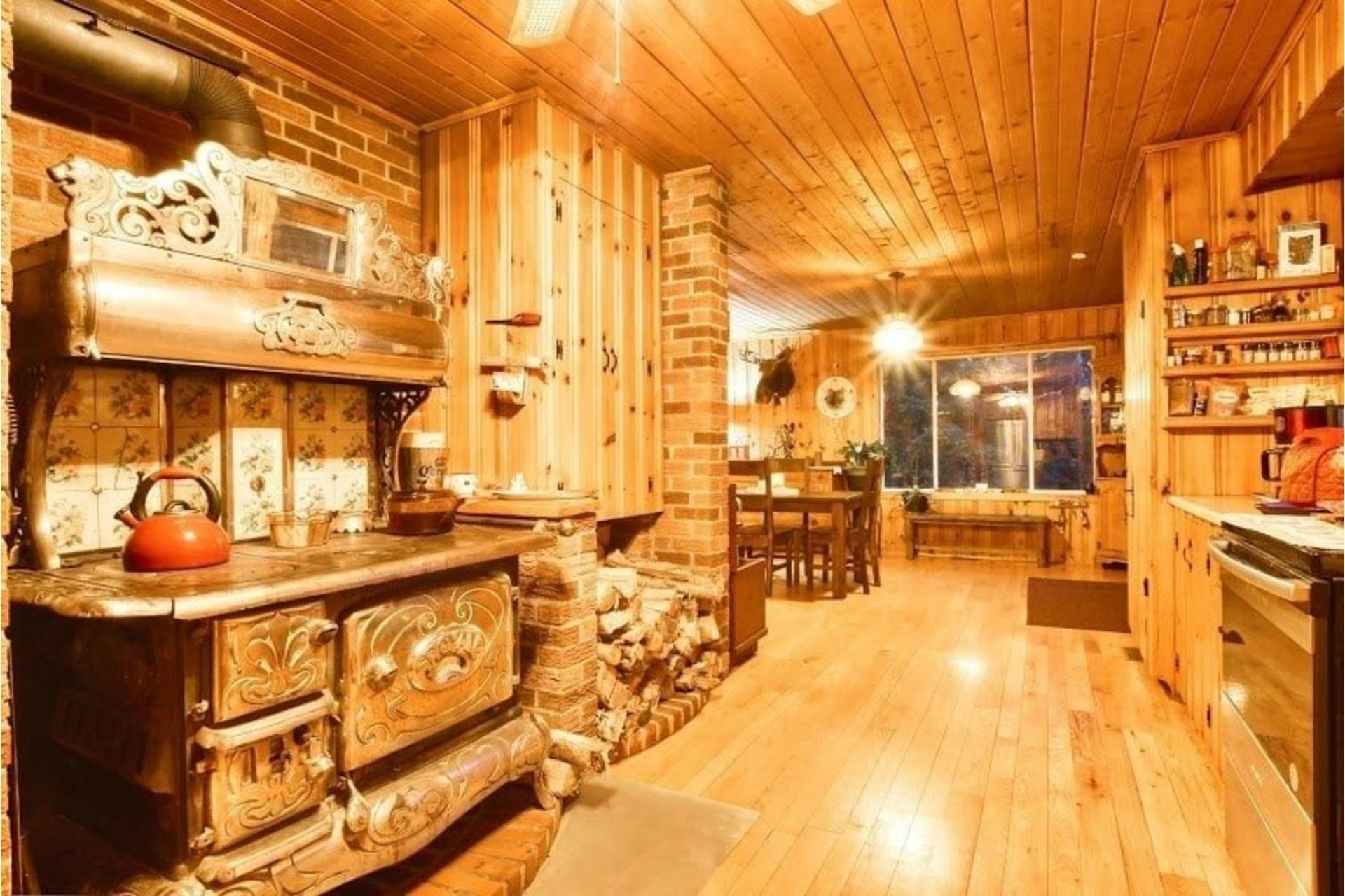 image 11 - Maison À vendre Lac-Matawin - 8 pièces