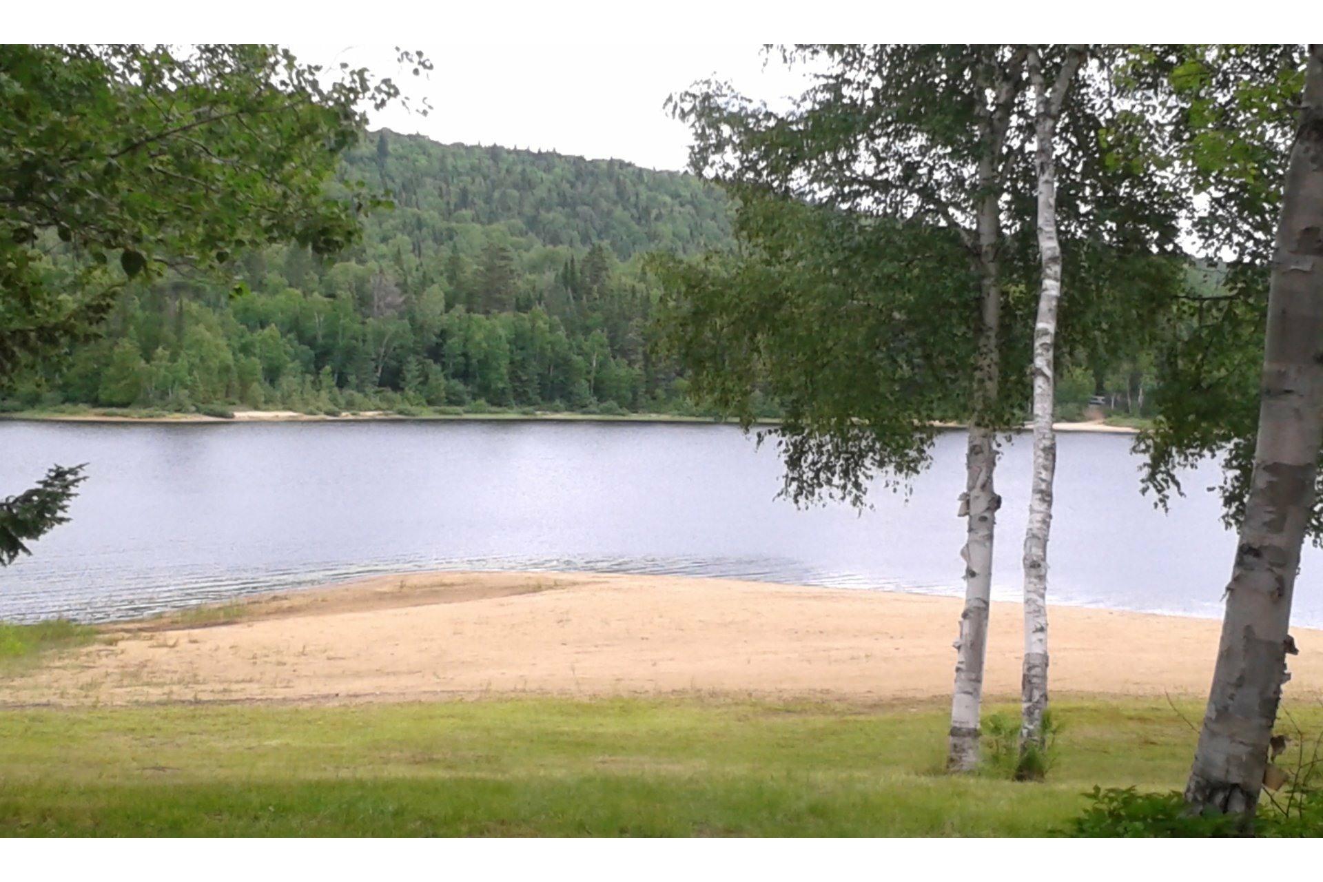 image 0 - Maison À vendre Lac-Matawin - 8 pièces