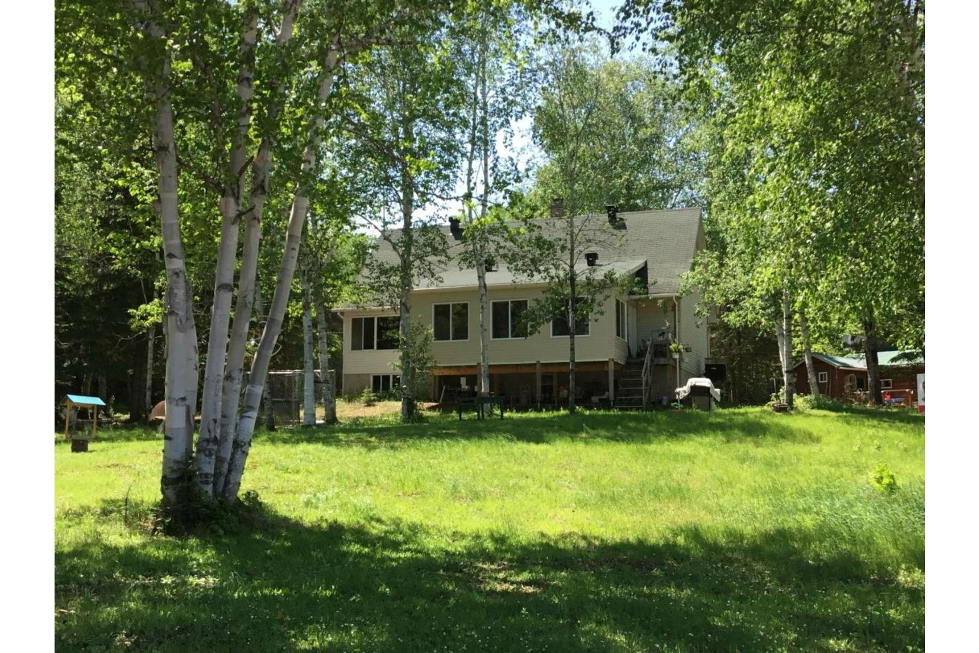 image 1 - Maison À vendre Lac-Matawin - 8 pièces