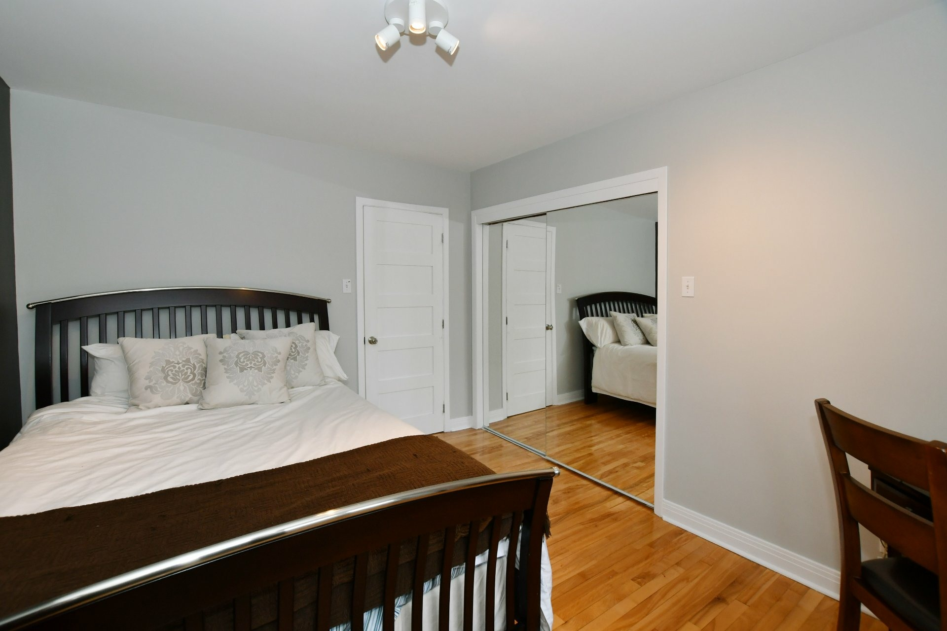 image 11 - House For sale Pointe-Claire - 10 rooms