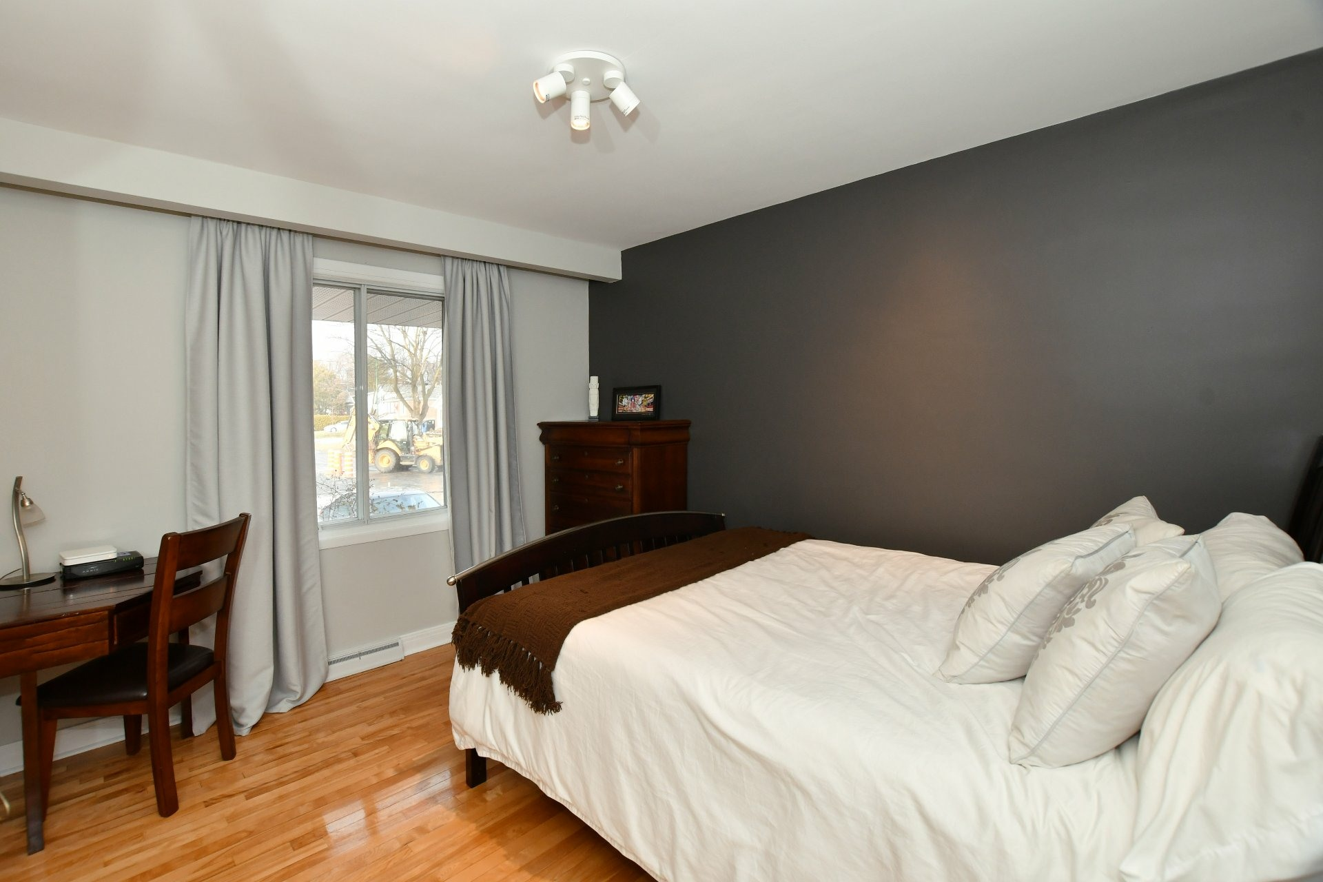 image 12 - House For sale Pointe-Claire - 10 rooms
