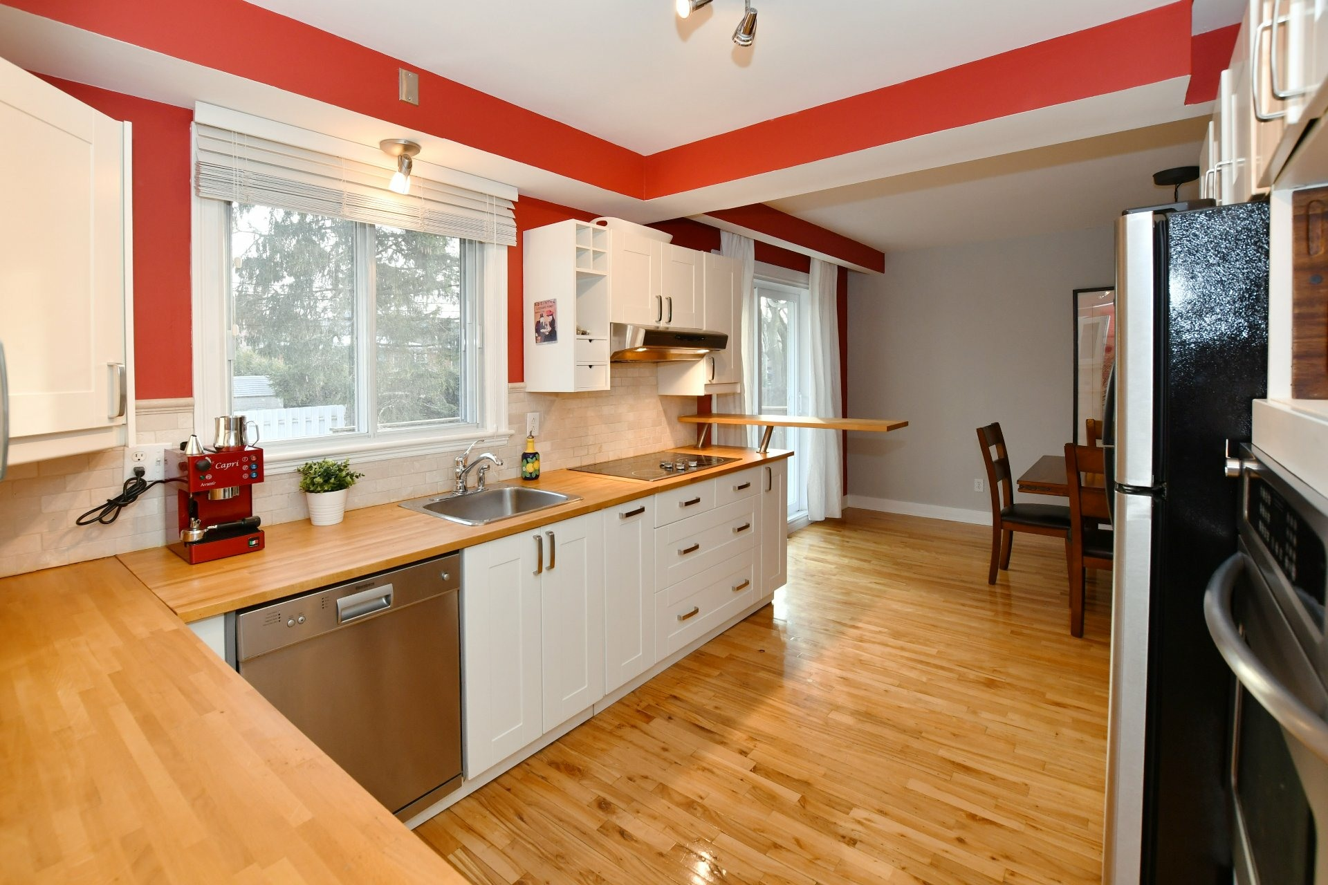 image 2 - House For sale Pointe-Claire - 10 rooms
