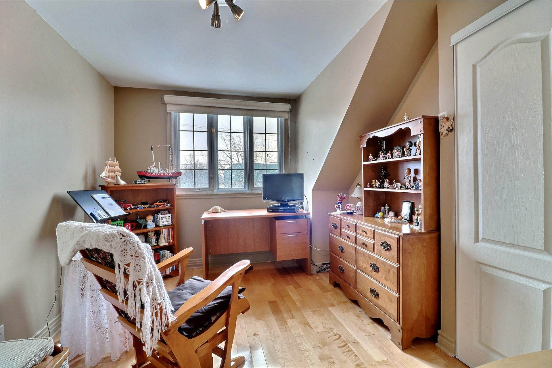 image 16 - Maison À vendre Duvernay Laval  - 12 pièces