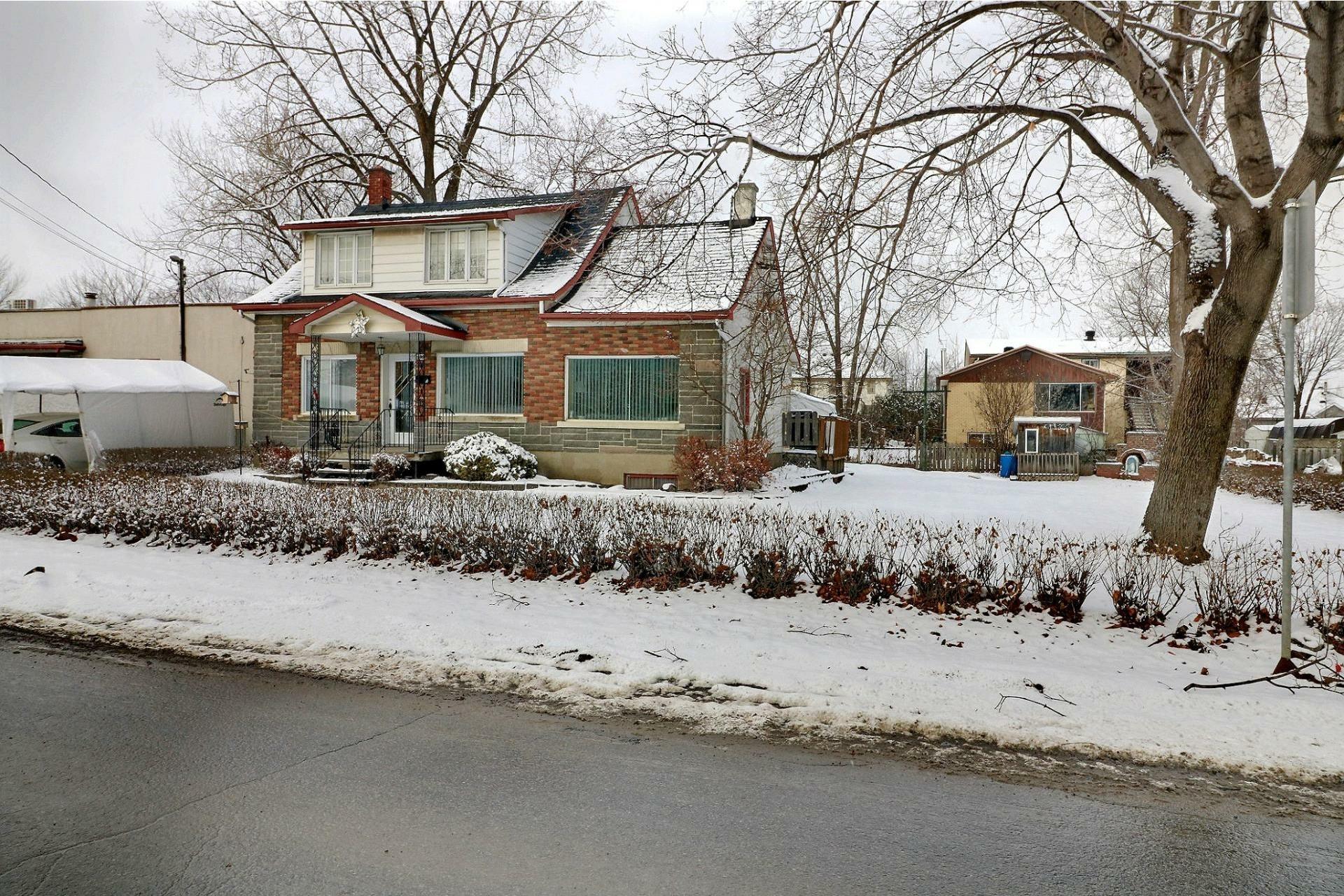 image 20 - Maison À vendre Duvernay Laval  - 12 pièces