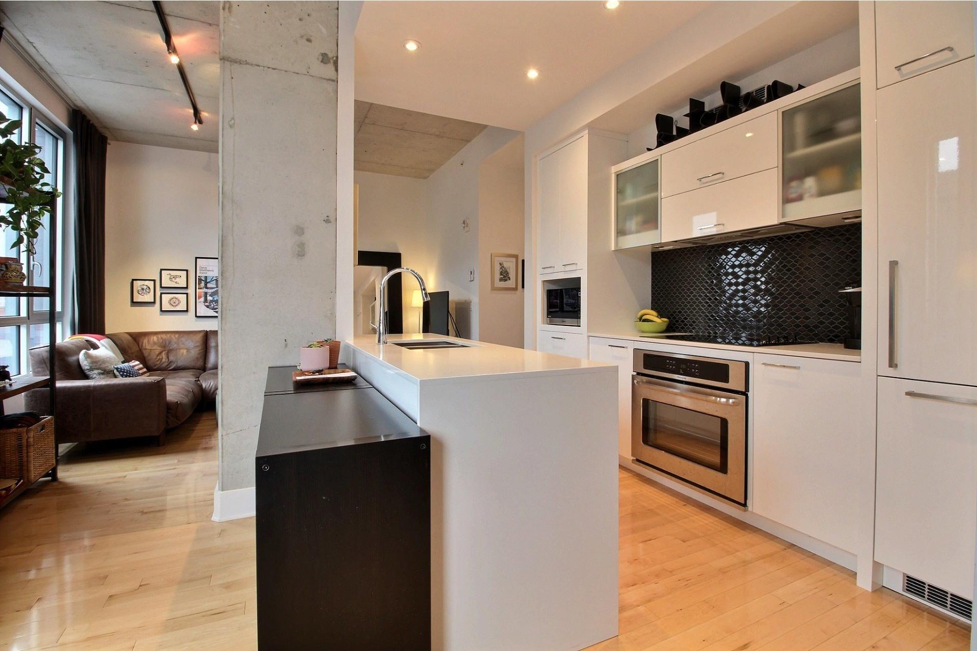 image 9 - Appartement À louer Le Sud-Ouest Montréal  - 6 pièces