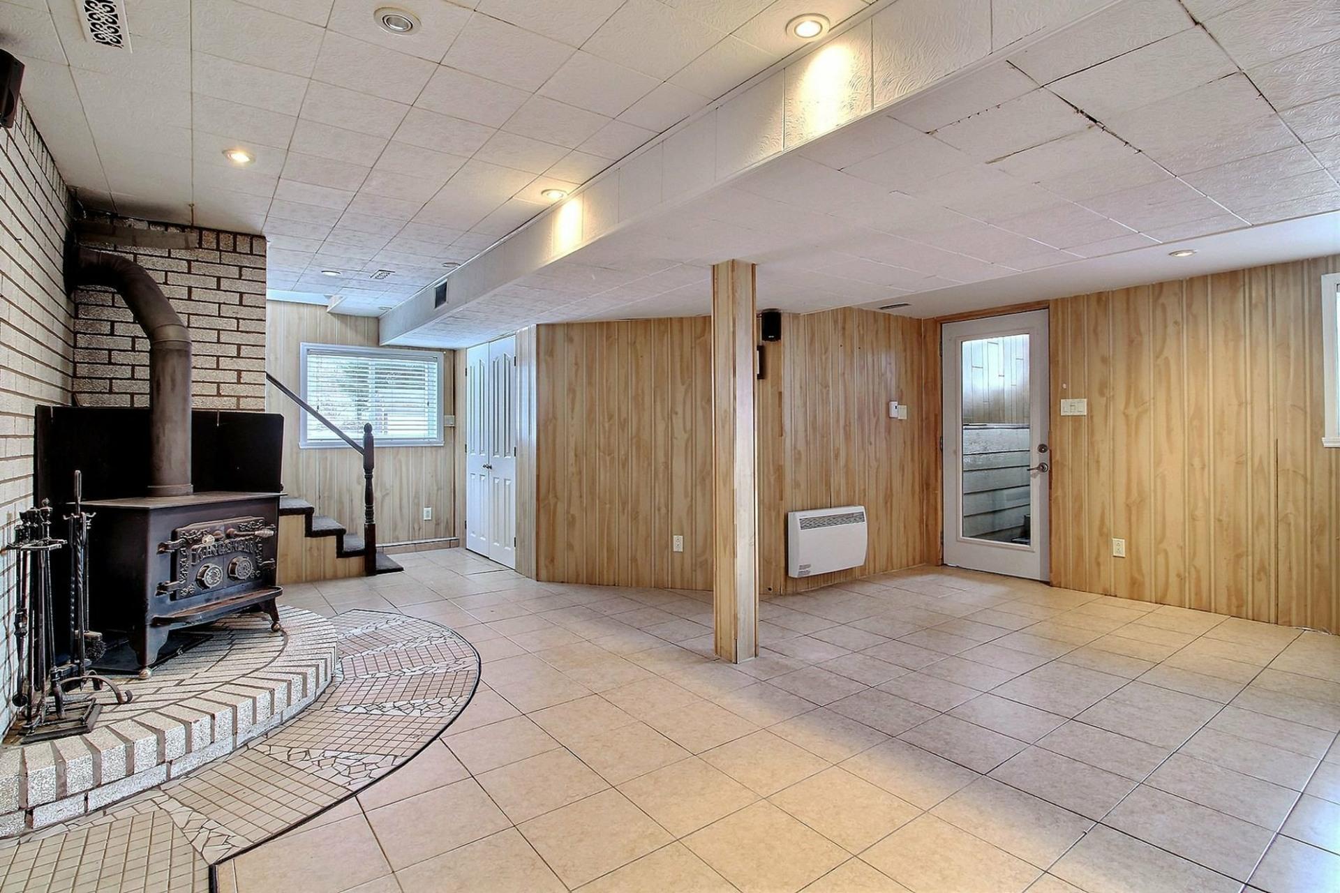 image 19 - House For sale Sainte-Sophie - 10 rooms