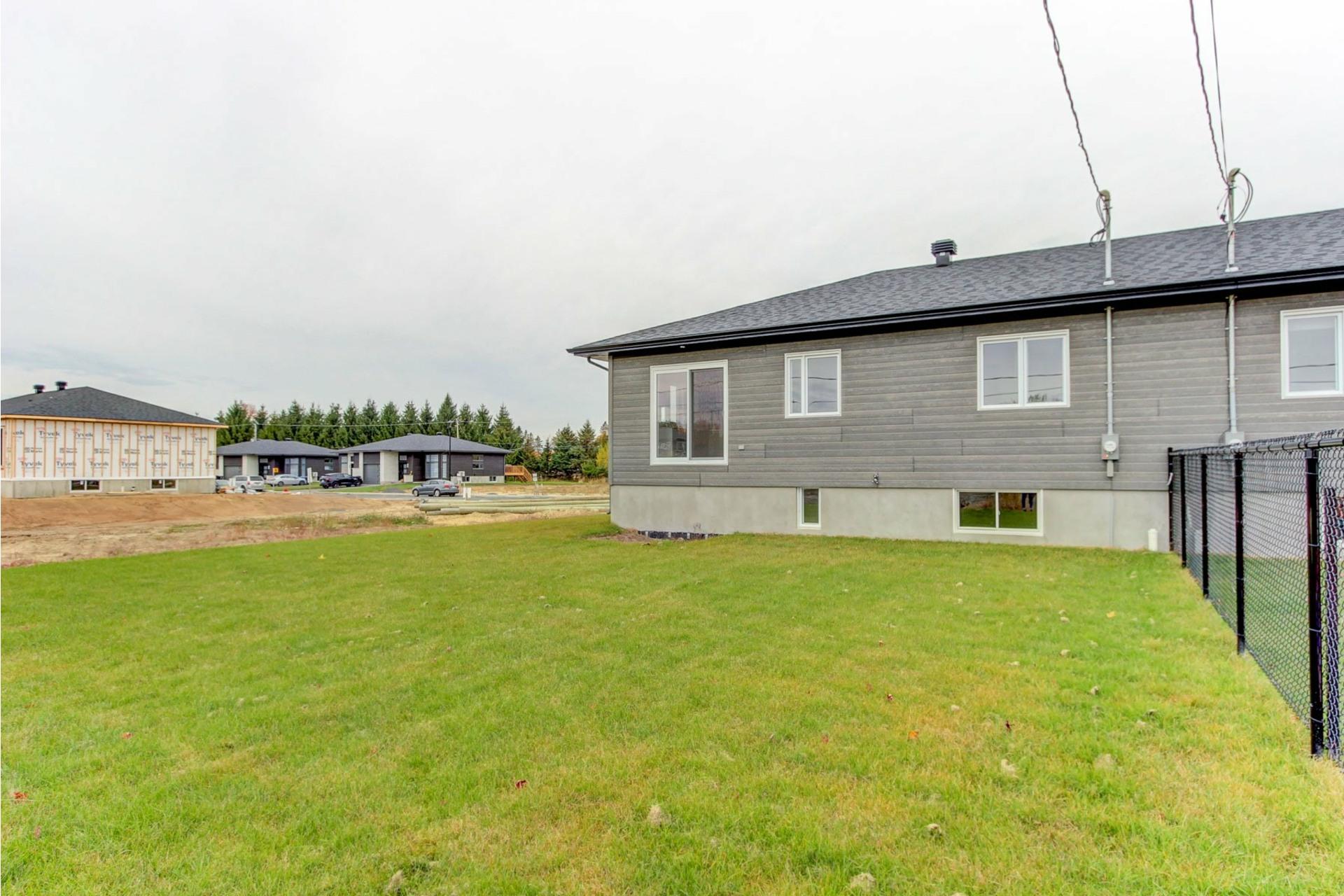 image 1 - Maison À vendre Trois-Rivières - 12 pièces