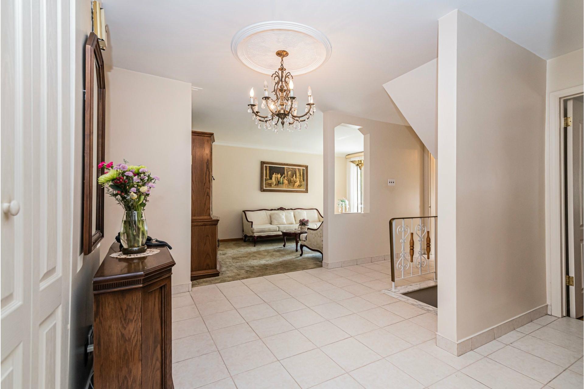 image 4 - Duplex For sale Saint-Léonard Montréal  - 9 rooms