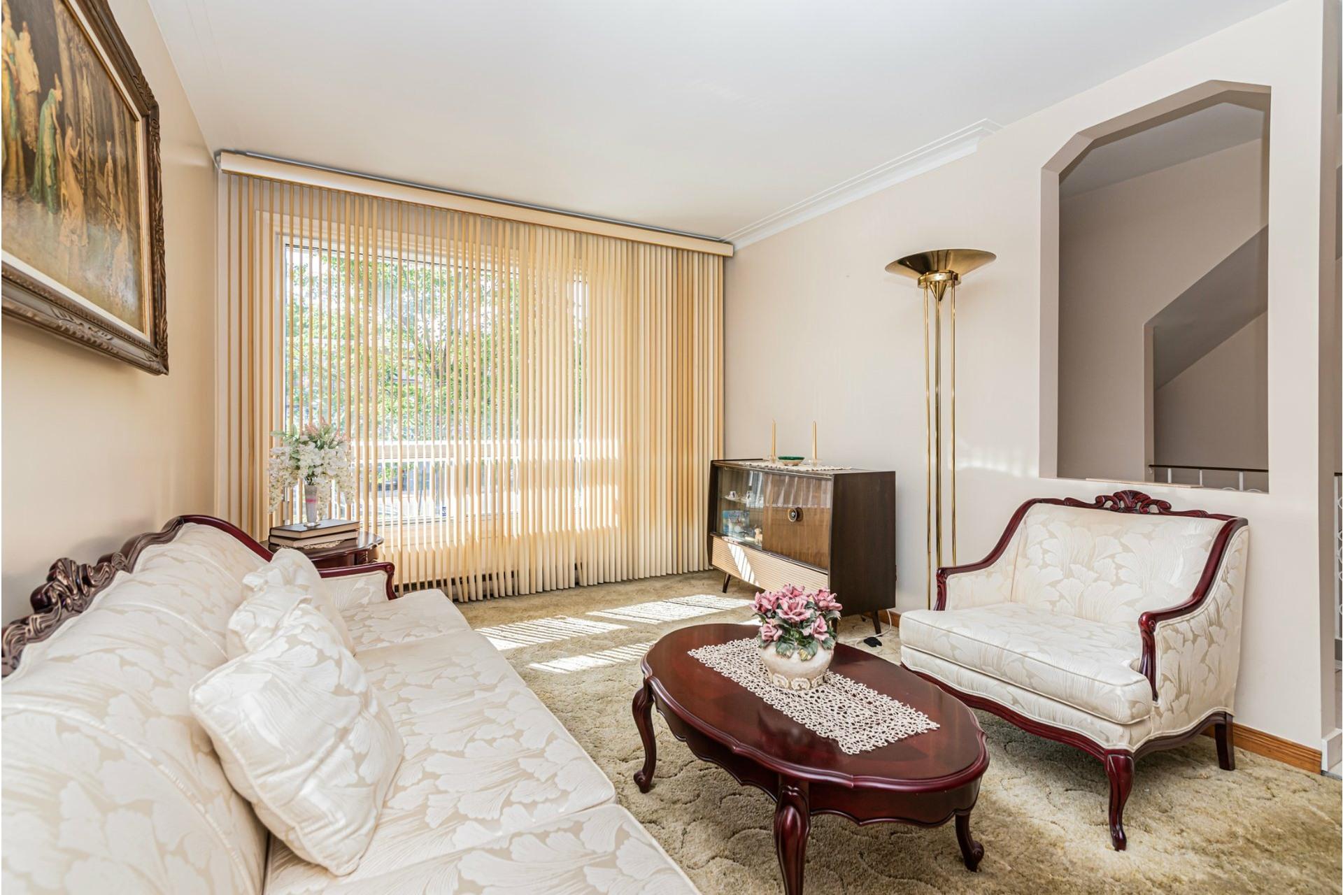 image 7 - Duplex For sale Saint-Léonard Montréal  - 9 rooms