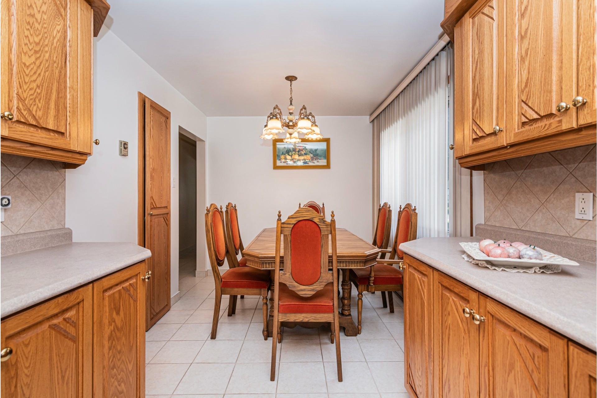 image 10 - Duplex For sale Saint-Léonard Montréal  - 9 rooms