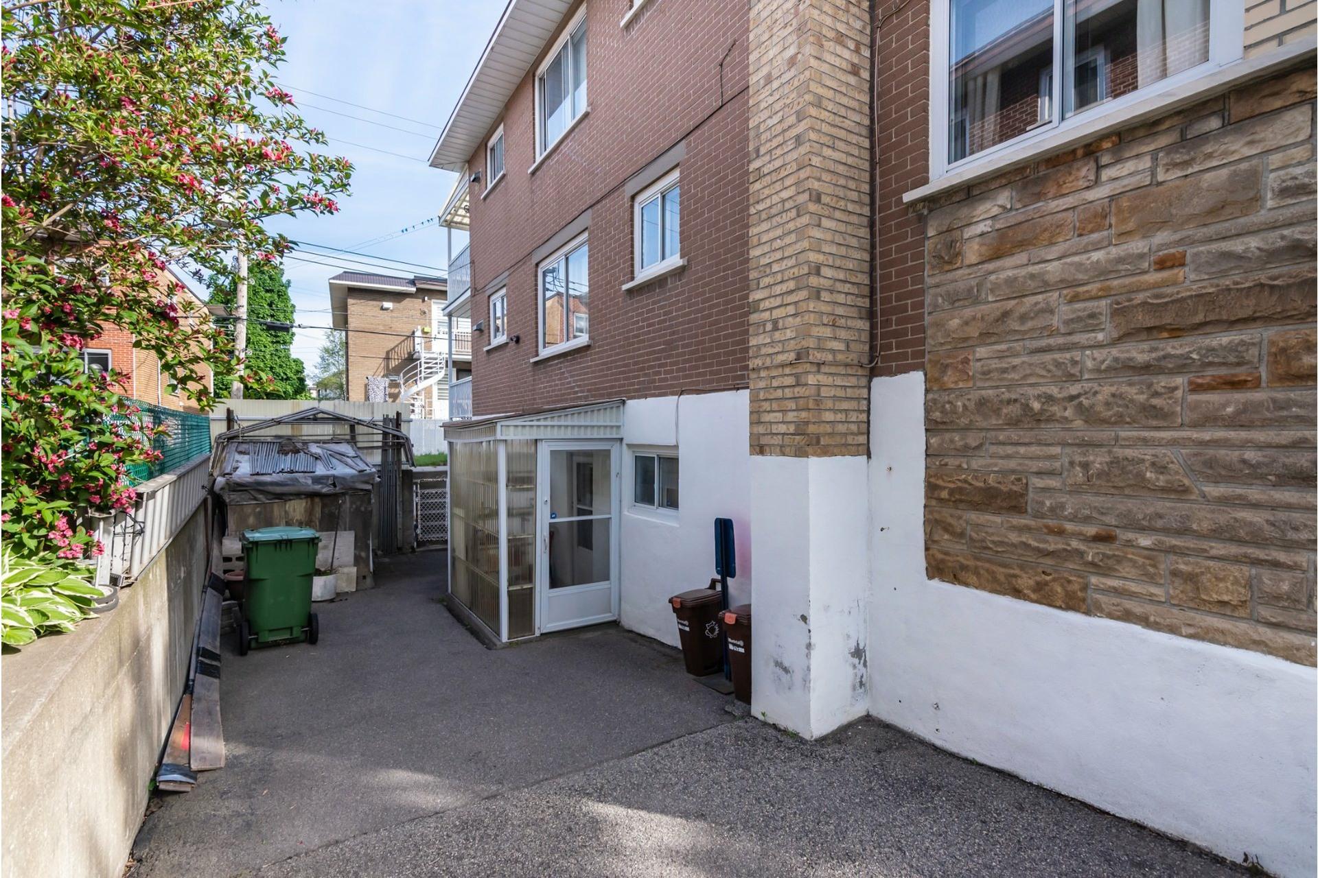 image 46 - Duplex For sale Saint-Léonard Montréal  - 9 rooms