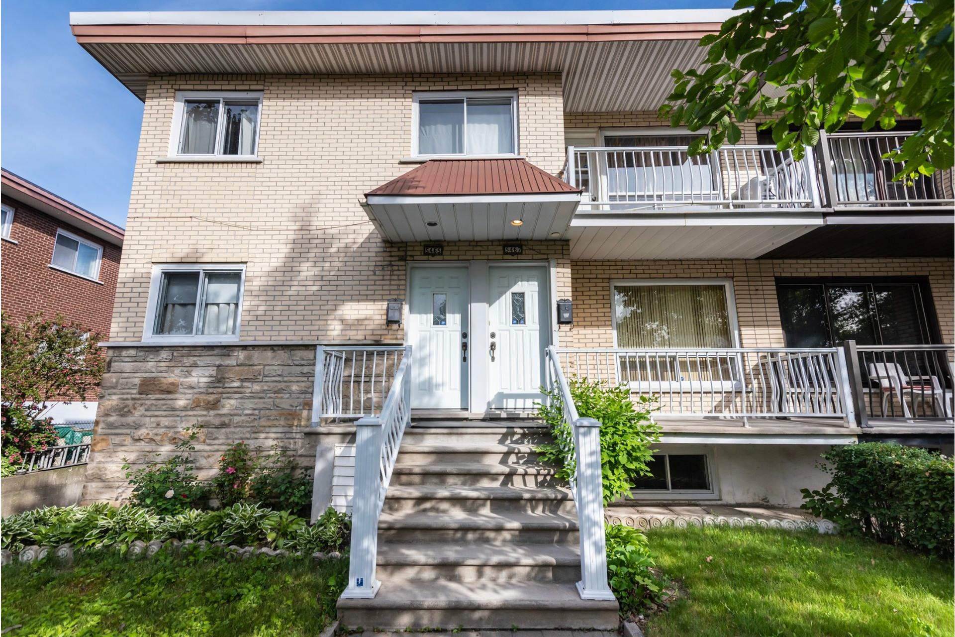 image 2 - Duplex For sale Saint-Léonard Montréal  - 9 rooms