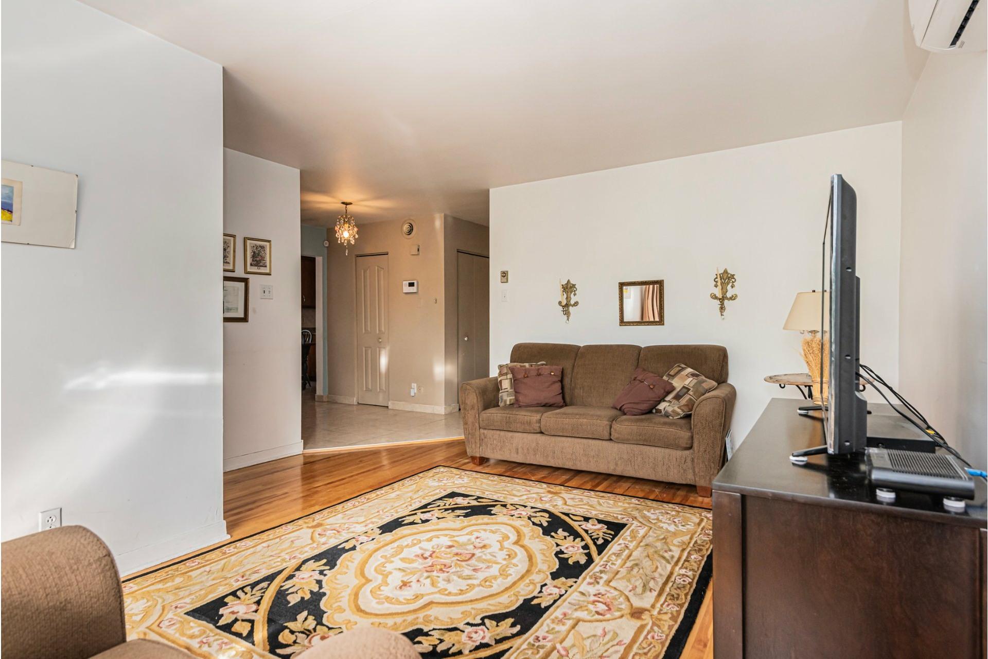 image 32 - Duplex For sale Saint-Léonard Montréal  - 9 rooms