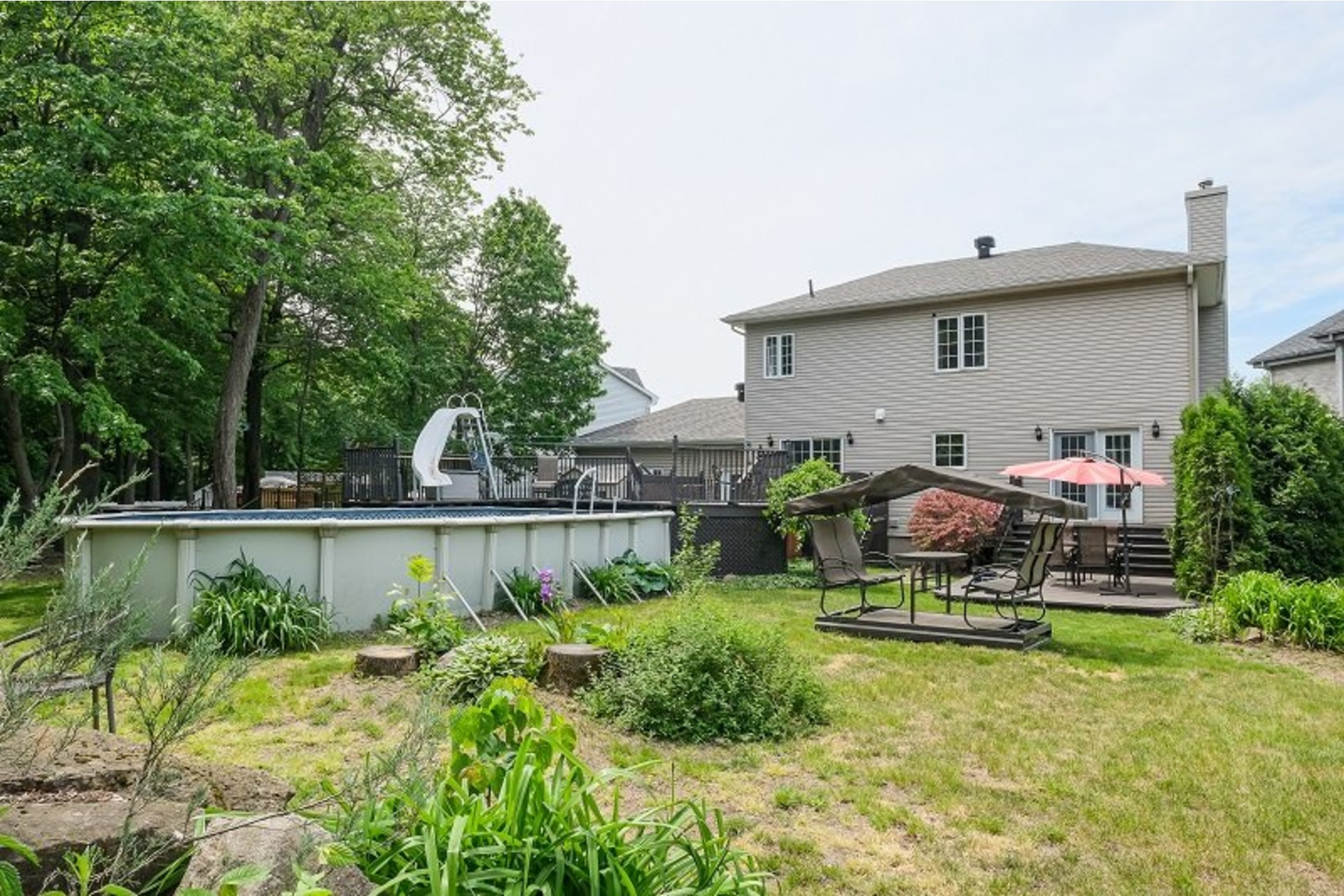 image 2 - House For sale Chambly - 13 rooms