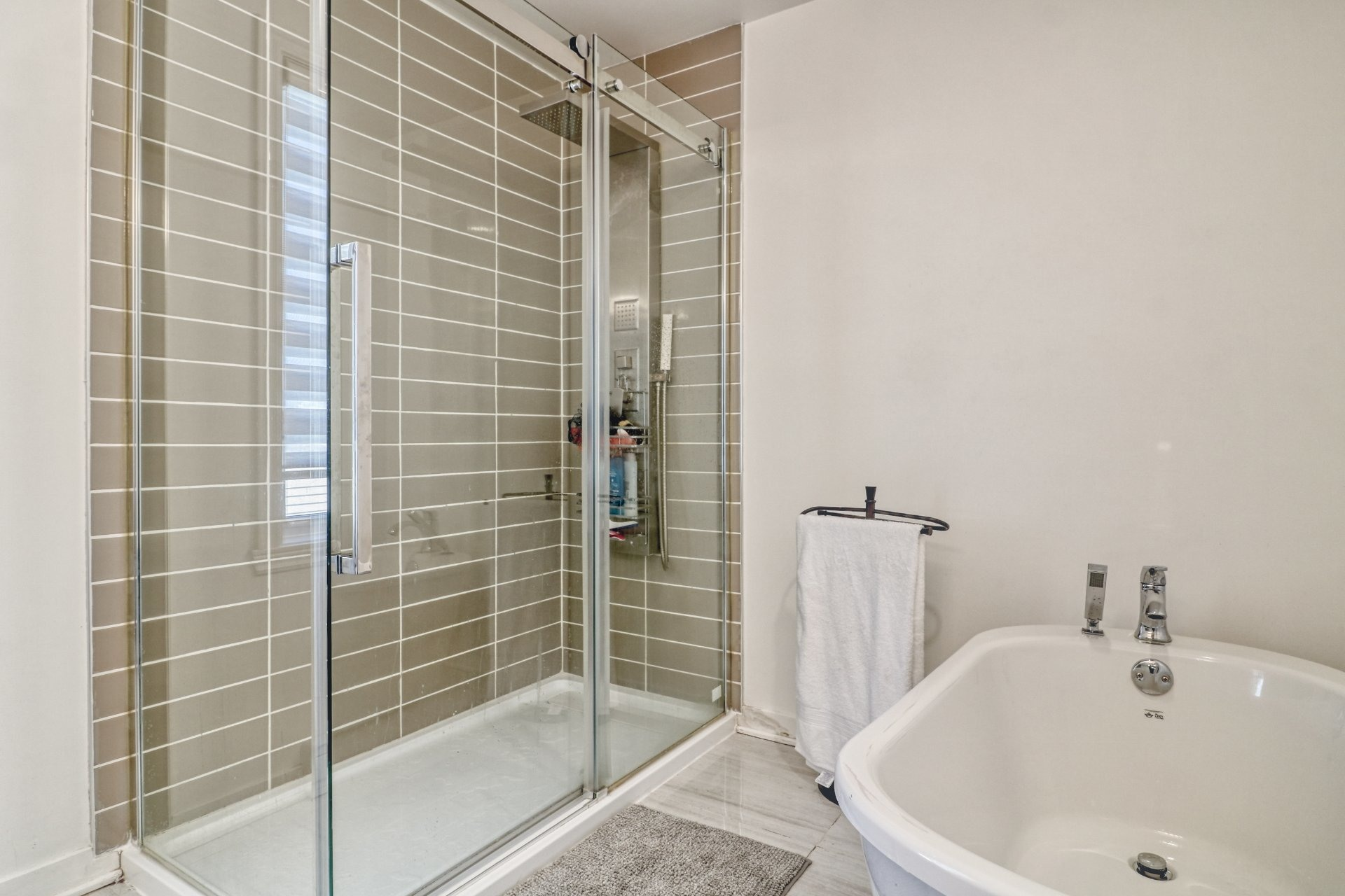 image 20 - House For sale Chomedey Laval  - 14 rooms