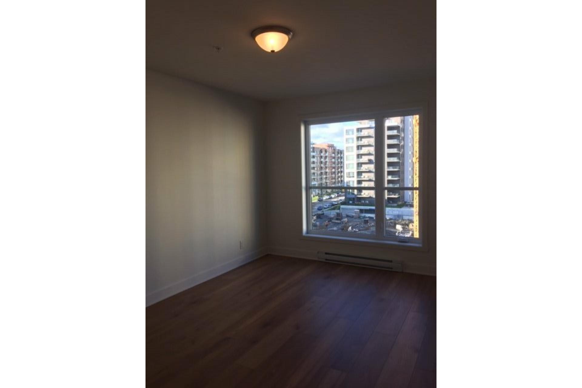 image 2 - Apartment For rent LaSalle Montréal  - 4 rooms