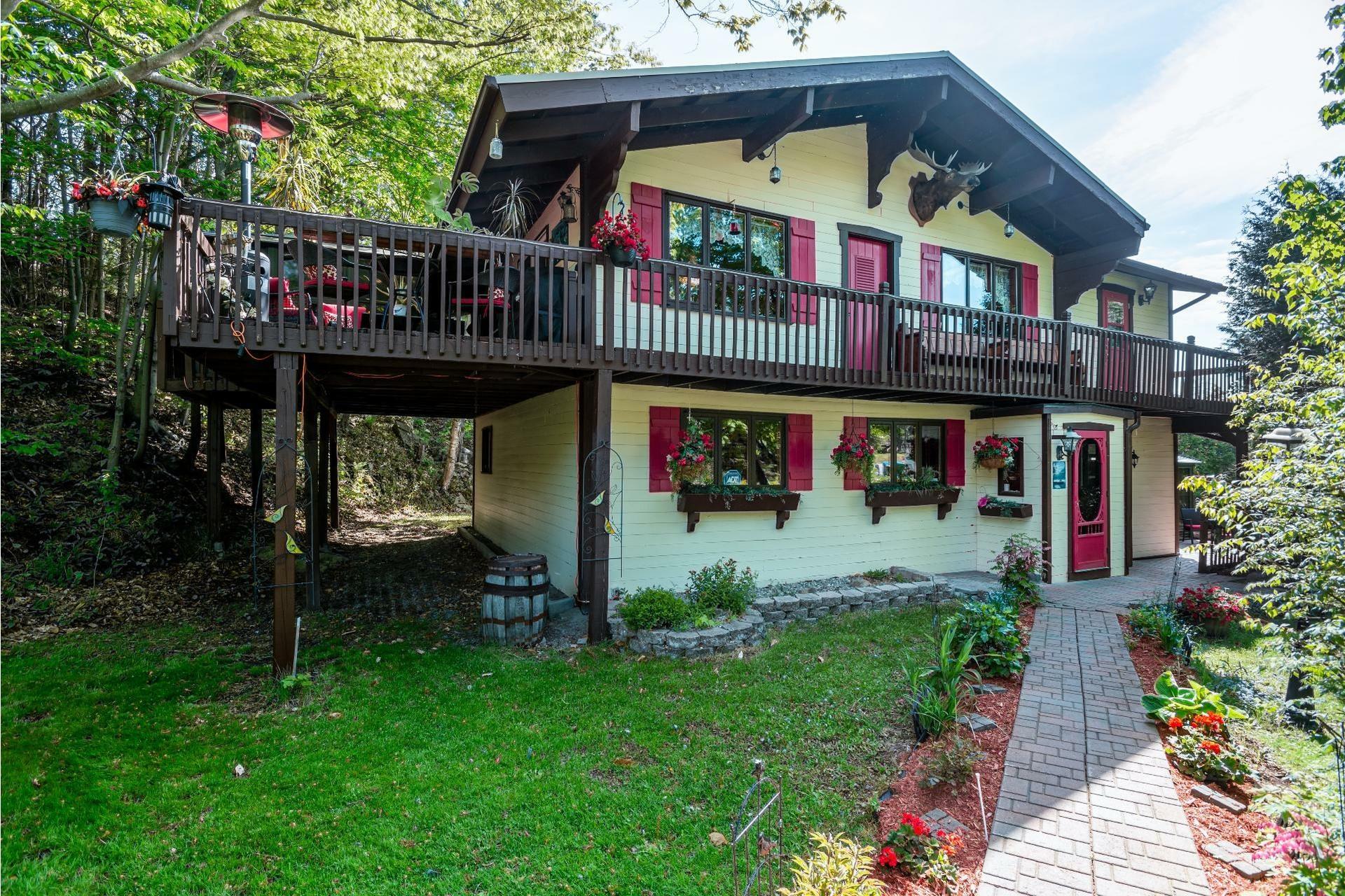 image 0 - Maison À vendre Lac-Beauport - 12 pièces