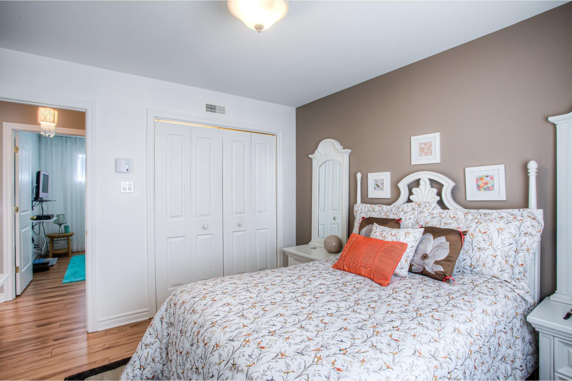 image 11 - Apartment For sale Pointe-des-Cascades - 6 rooms