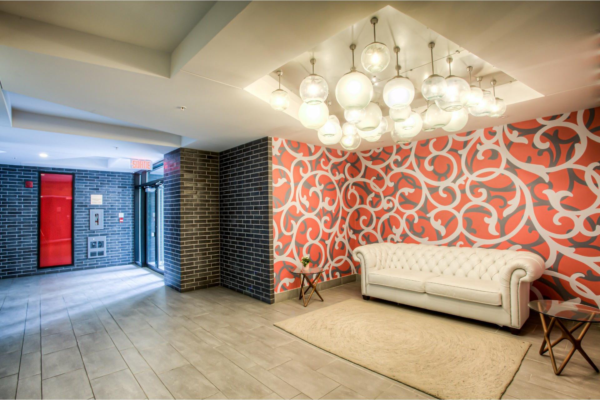 image 1 - Apartment For rent Côte-des-Neiges/Notre-Dame-de-Grâce Montréal  - 5 rooms