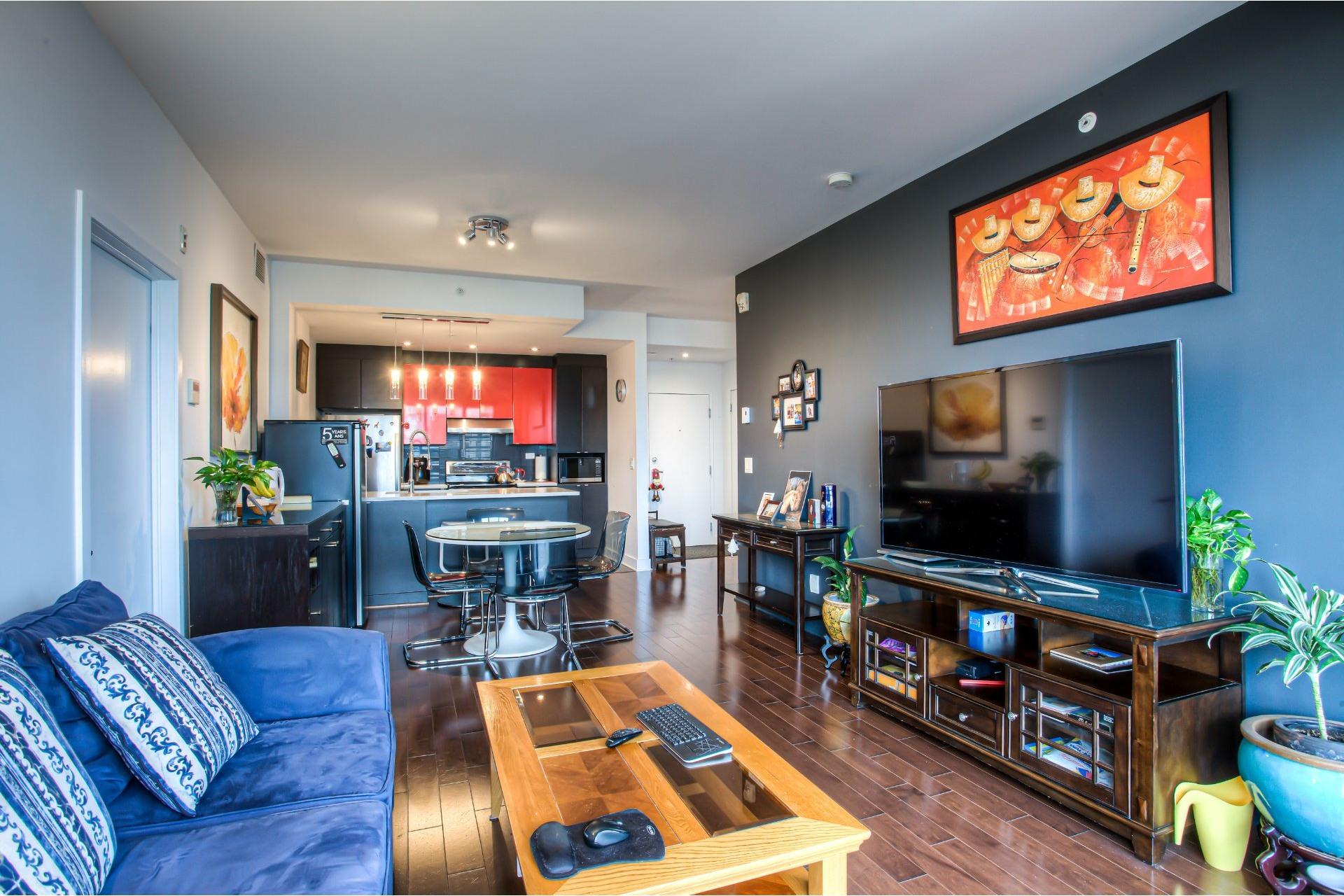 image 12 - Apartment For rent Côte-des-Neiges/Notre-Dame-de-Grâce Montréal  - 5 rooms