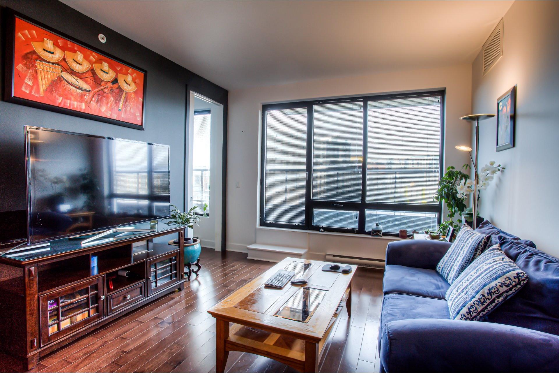 image 10 - Apartment For rent Côte-des-Neiges/Notre-Dame-de-Grâce Montréal  - 5 rooms