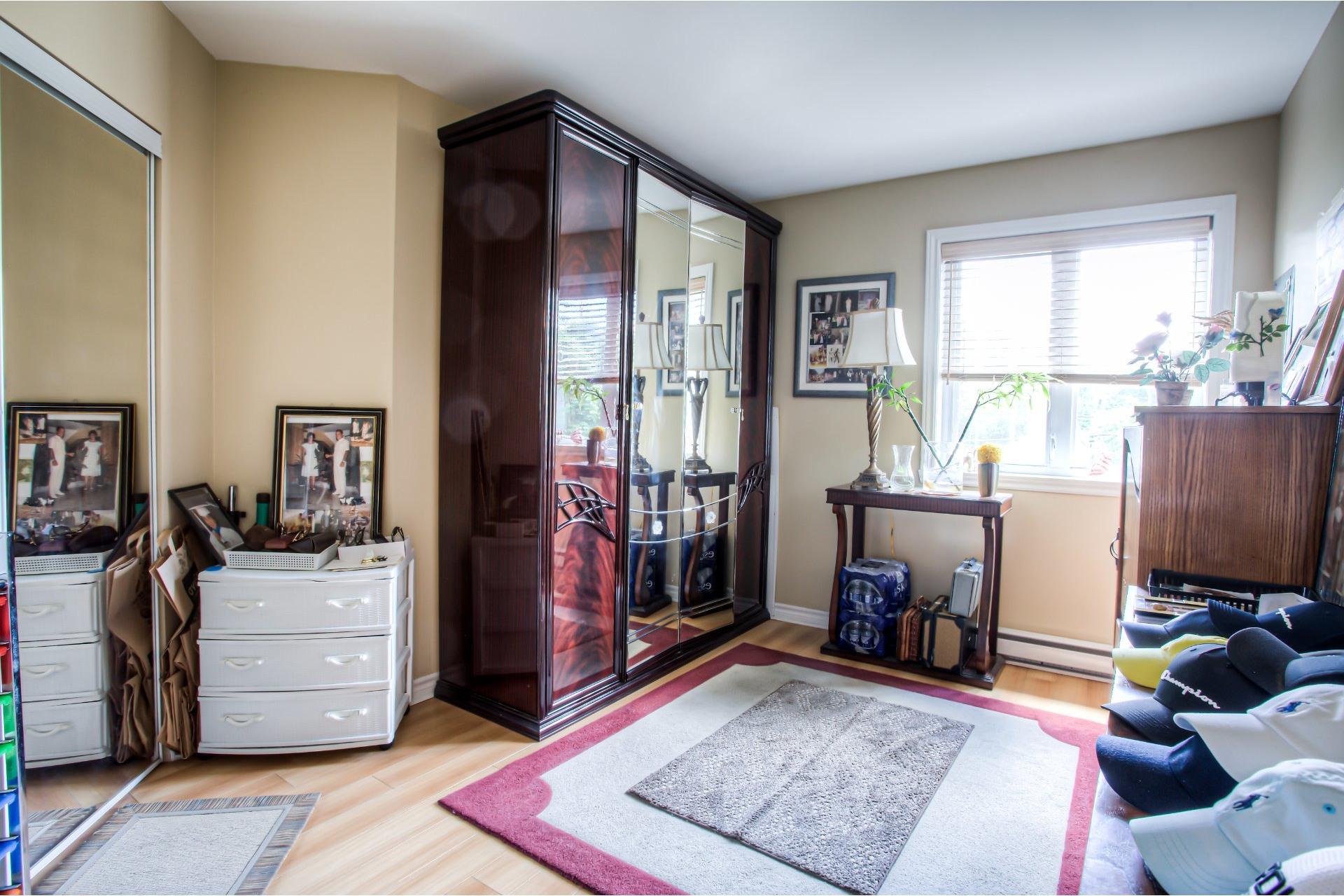 image 7 - Appartement À vendre Chomedey Laval  - 6 pièces