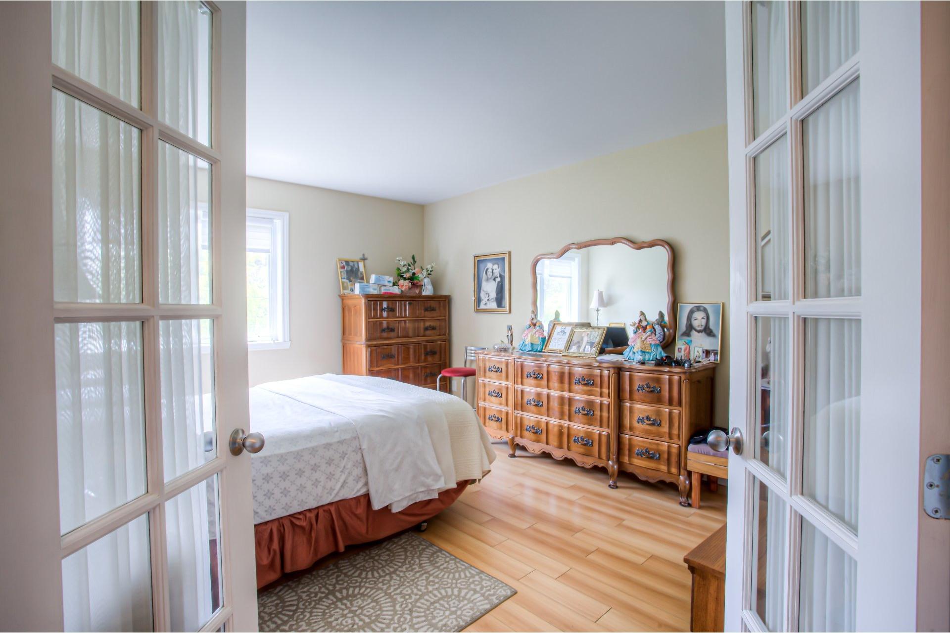 image 2 - Appartement À vendre Chomedey Laval  - 6 pièces