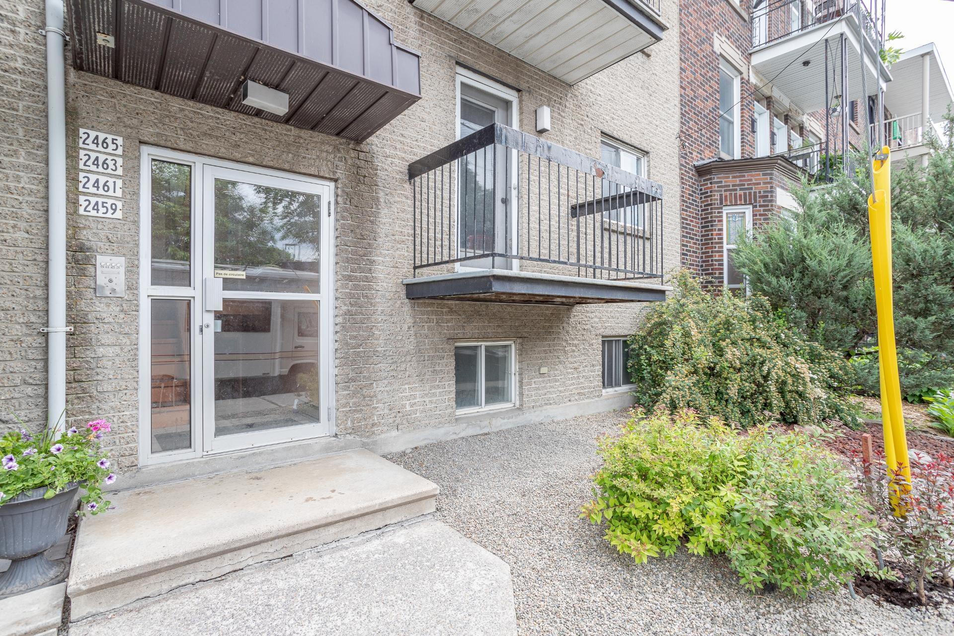 image 0 - Quadruplex For sale Mercier/Hochelaga-Maisonneuve Montréal  - 4 rooms