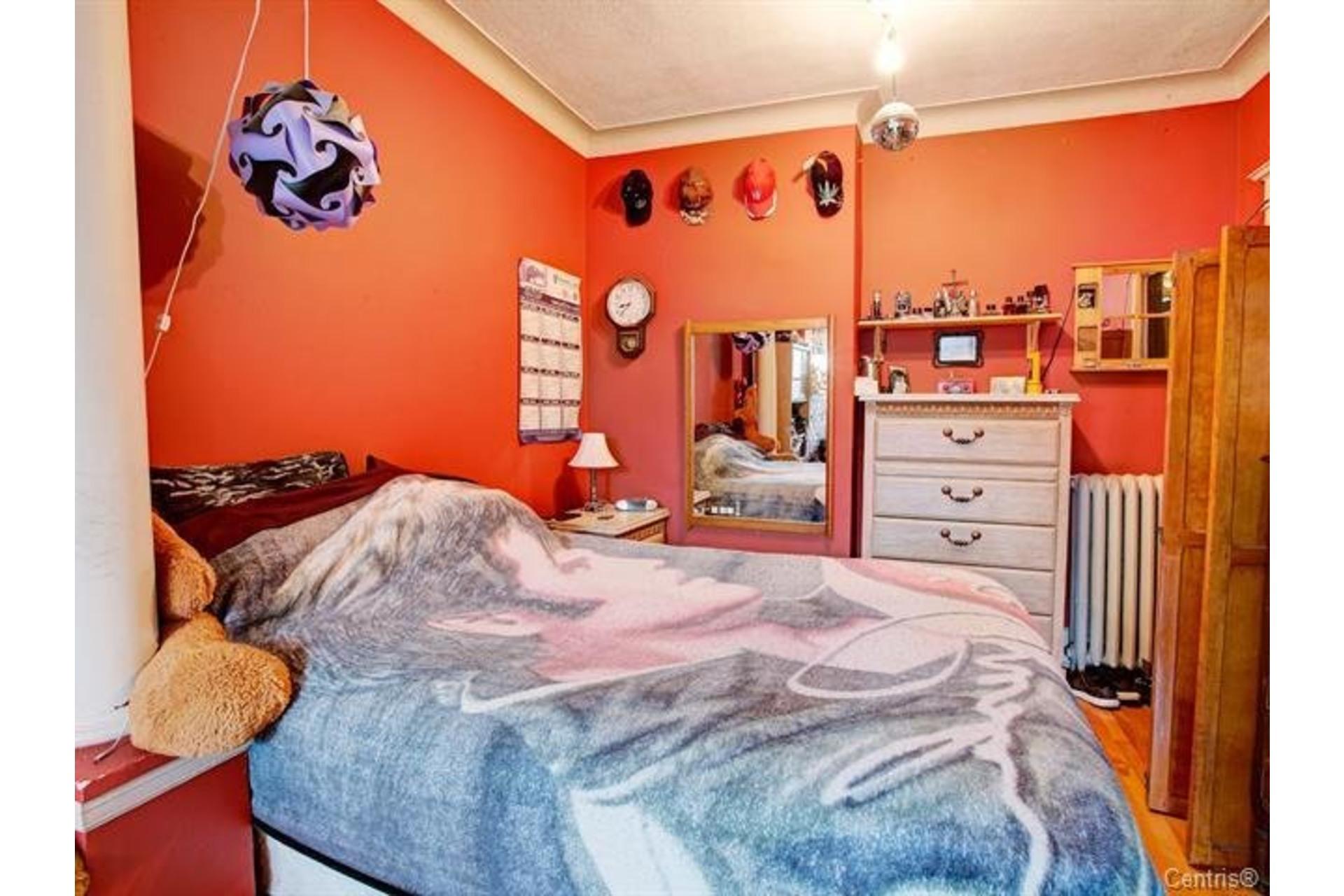 image 12 - Triplex For sale Le Sud-Ouest Montréal  - 5 rooms