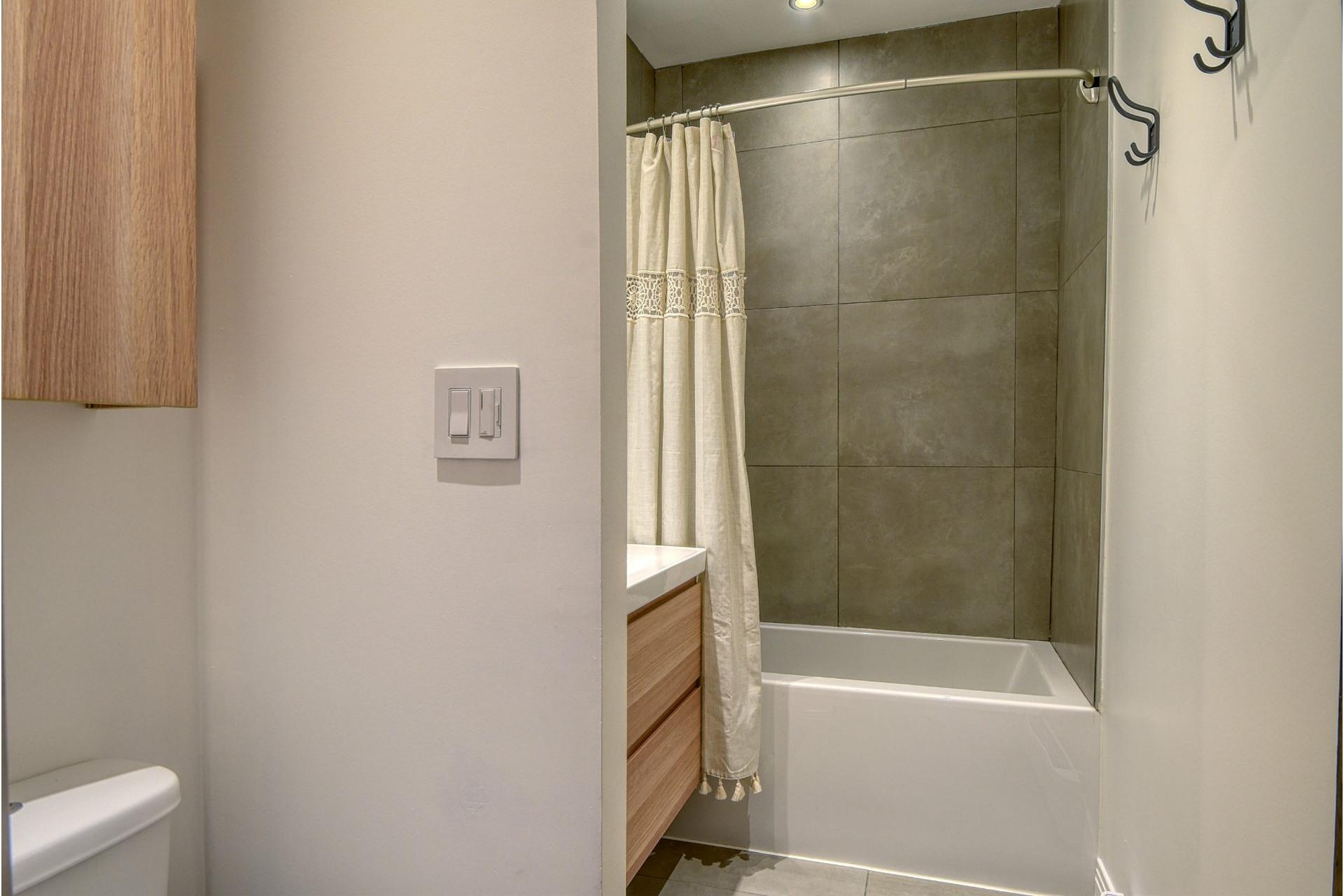 image 8 - Apartment For rent Verdun/Île-des-Soeurs Montréal  - 8 rooms