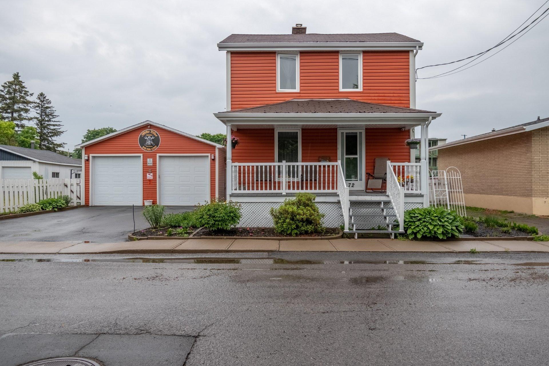 image 0 - Maison À vendre Trois-Rivières - 11 pièces
