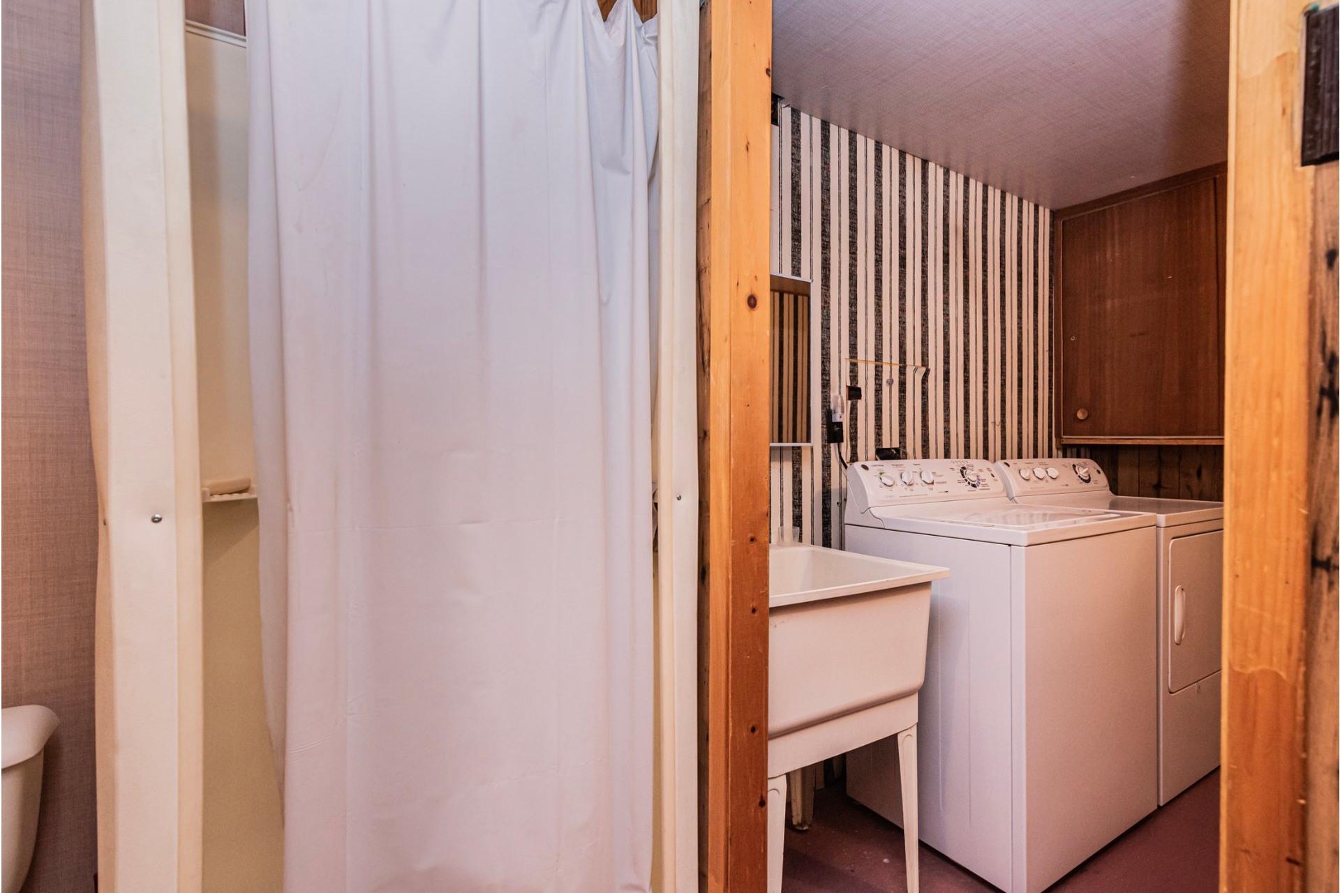 image 28 - Maison À vendre Fabreville Laval  - 9 pièces