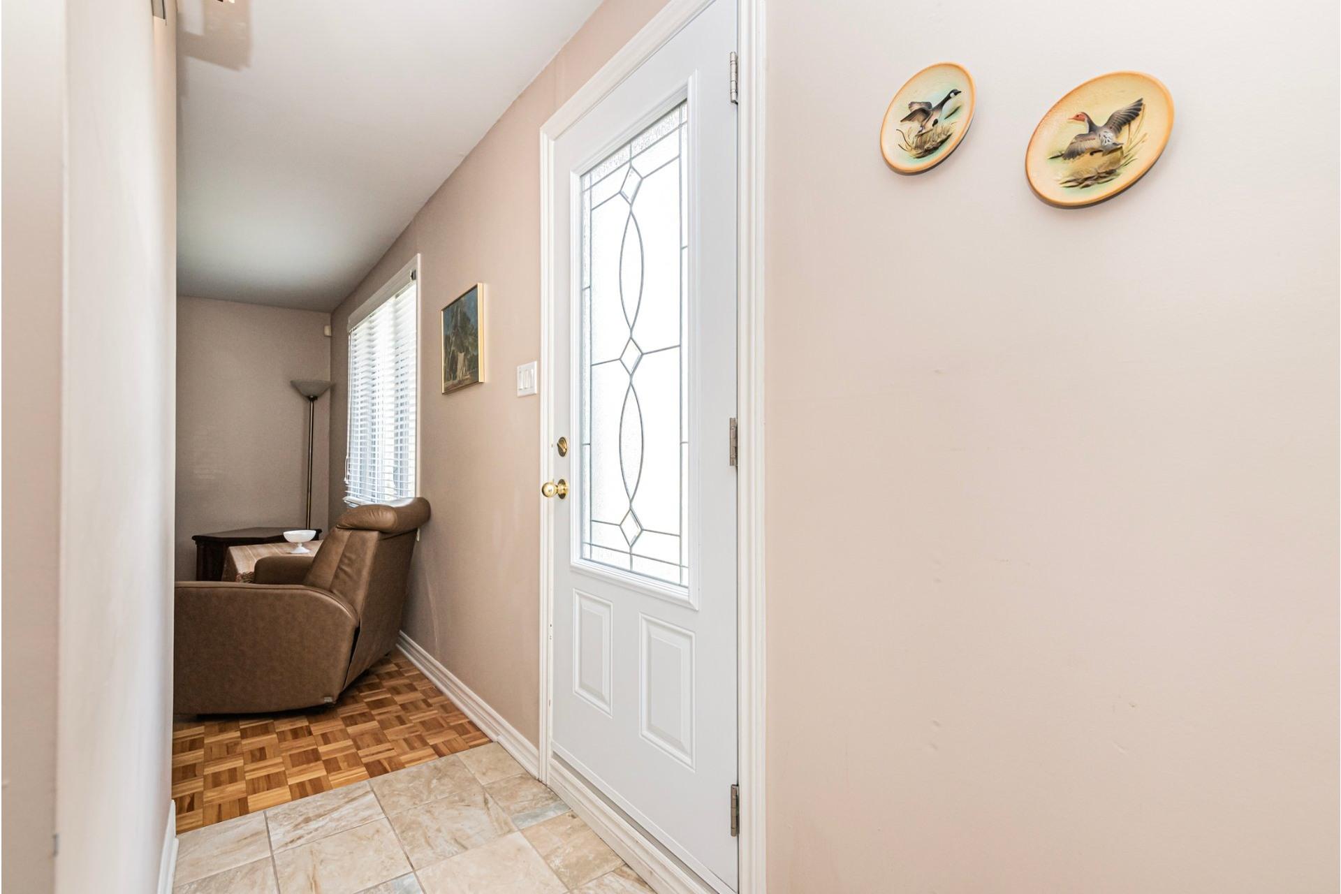 image 7 - Maison À vendre Fabreville Laval  - 9 pièces