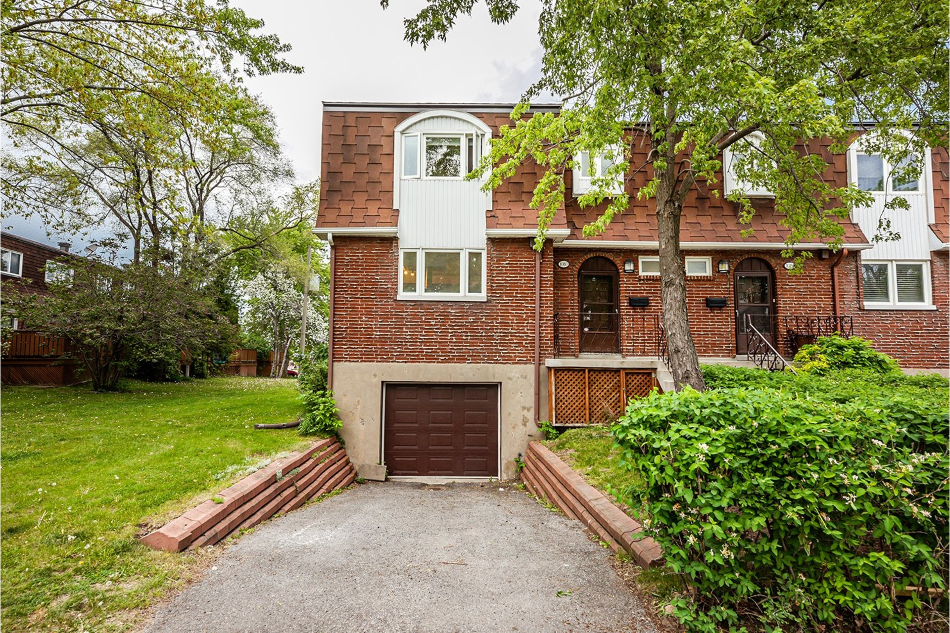image 1 - House For sale Greenfield Park Longueuil  - 11 rooms