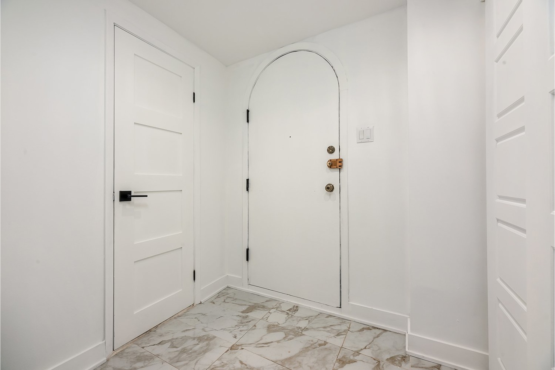 image 2 - House For sale Greenfield Park Longueuil  - 11 rooms