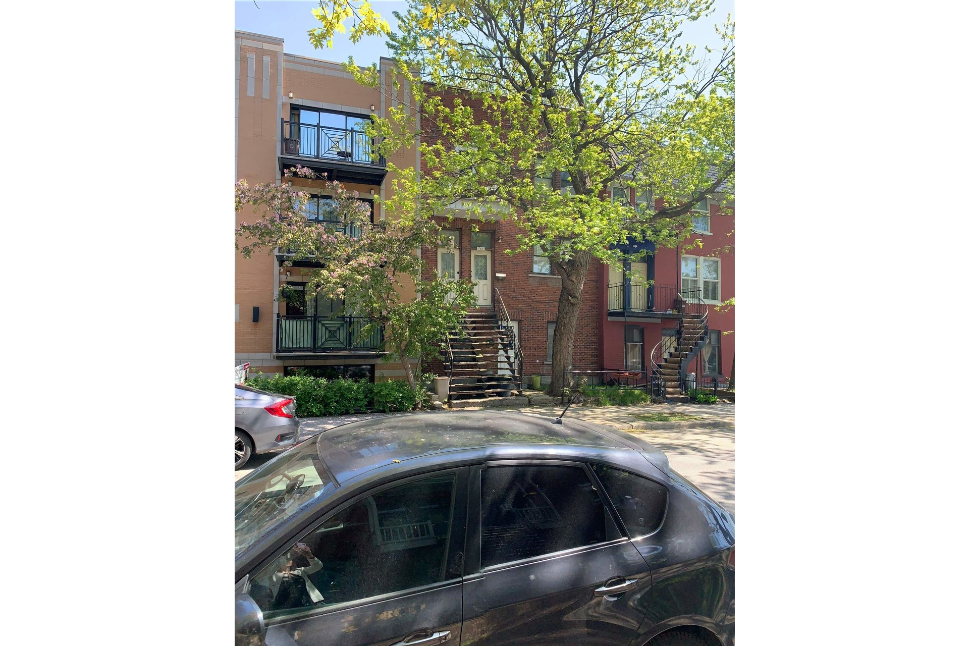 image 2 - Triplex For sale Le Sud-Ouest Montréal  - 5 rooms