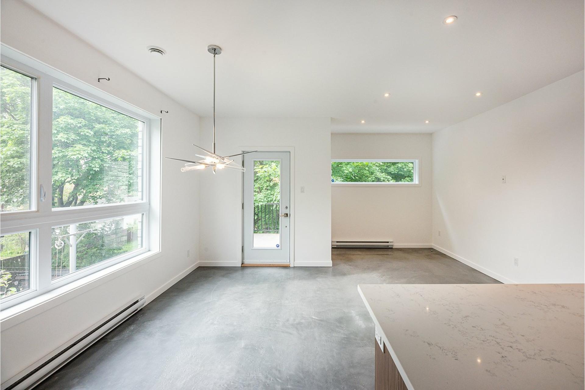 image 7 - Triplex For sale Mercier/Hochelaga-Maisonneuve Montréal  - 4 rooms