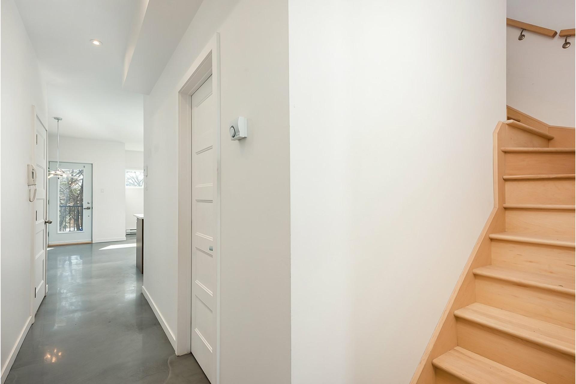 image 10 - Triplex For sale Mercier/Hochelaga-Maisonneuve Montréal  - 4 rooms