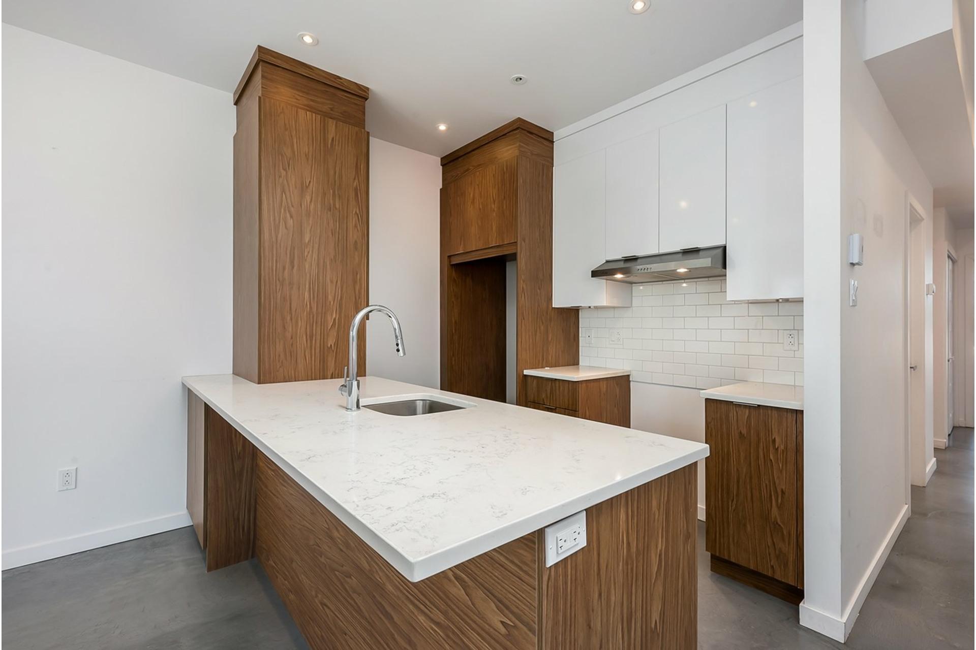 image 5 - Triplex For sale Mercier/Hochelaga-Maisonneuve Montréal  - 4 rooms