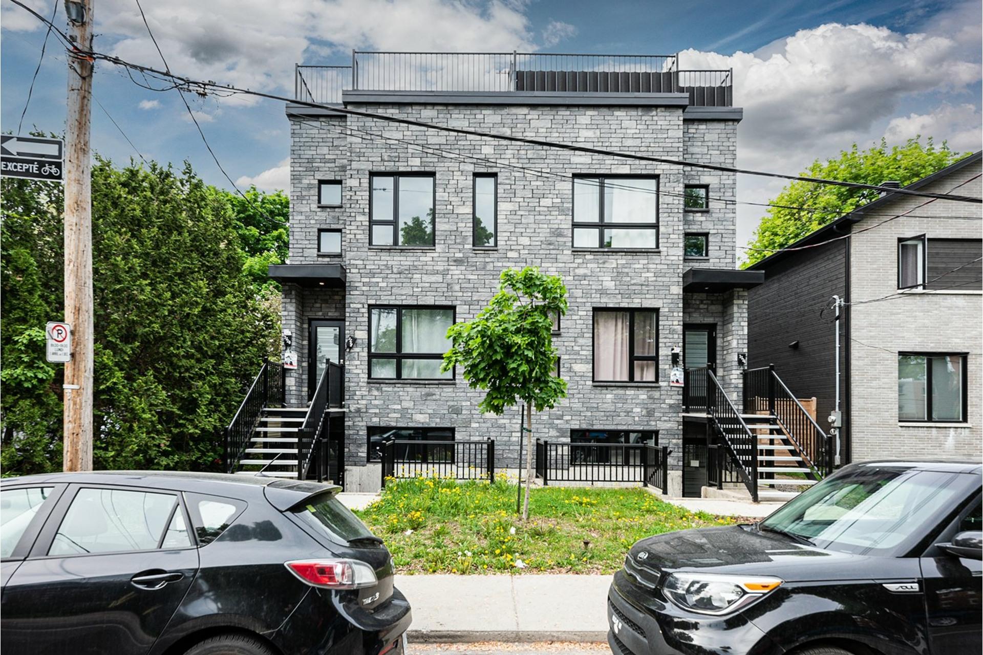 image 0 - Triplex For sale Mercier/Hochelaga-Maisonneuve Montréal  - 4 rooms