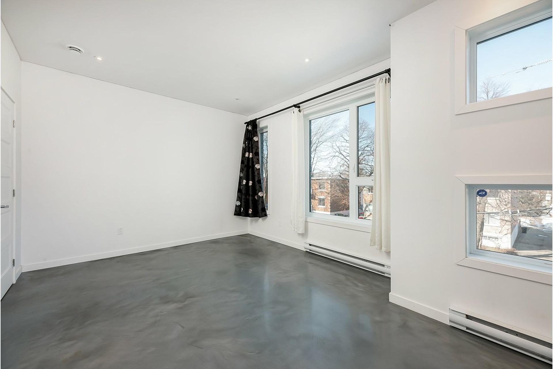 image 16 - Triplex For sale Mercier/Hochelaga-Maisonneuve Montréal  - 4 rooms