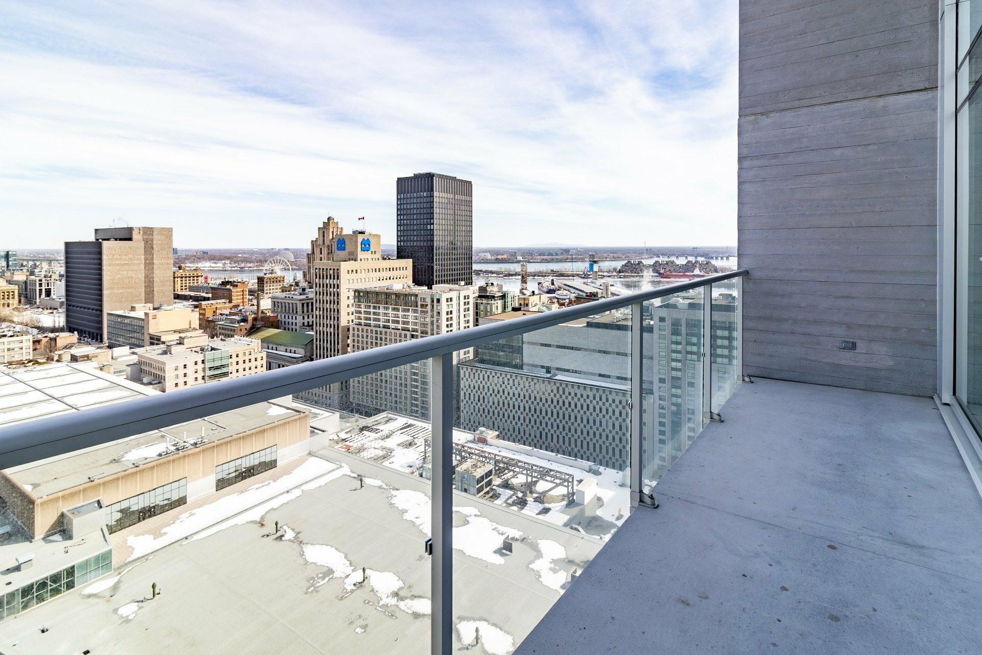 image 6 - Appartement À louer Ville-Marie Montréal  - 9 pièces