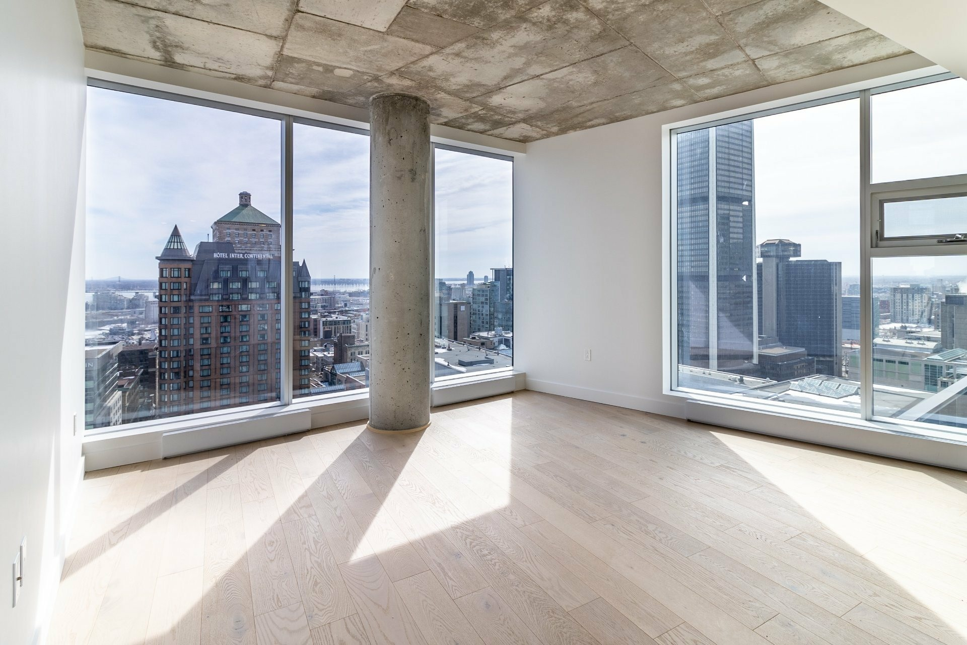image 15 - Appartement À louer Ville-Marie Montréal  - 9 pièces