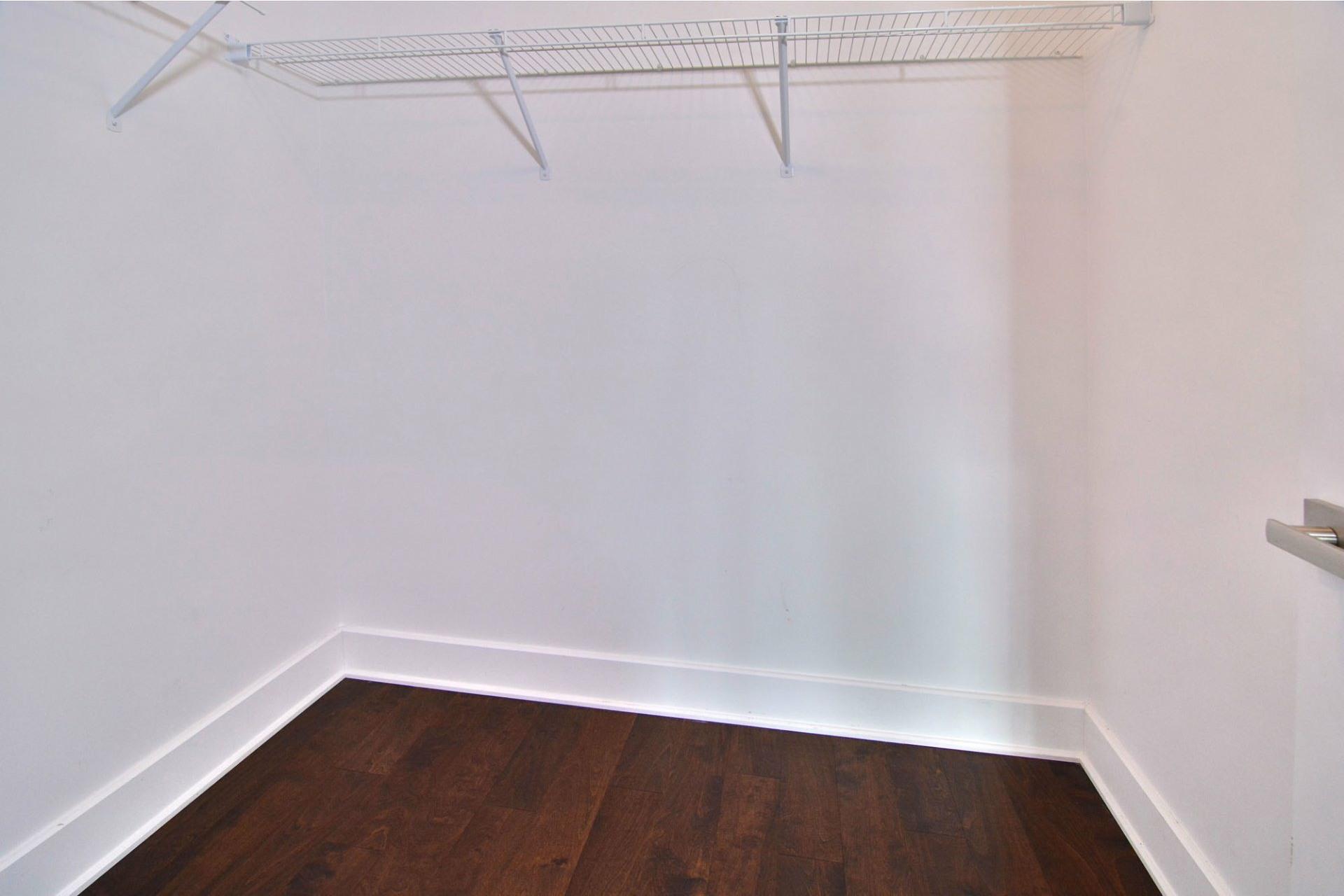 image 19 - Appartement À louer Pointe-Claire - 10 pièces